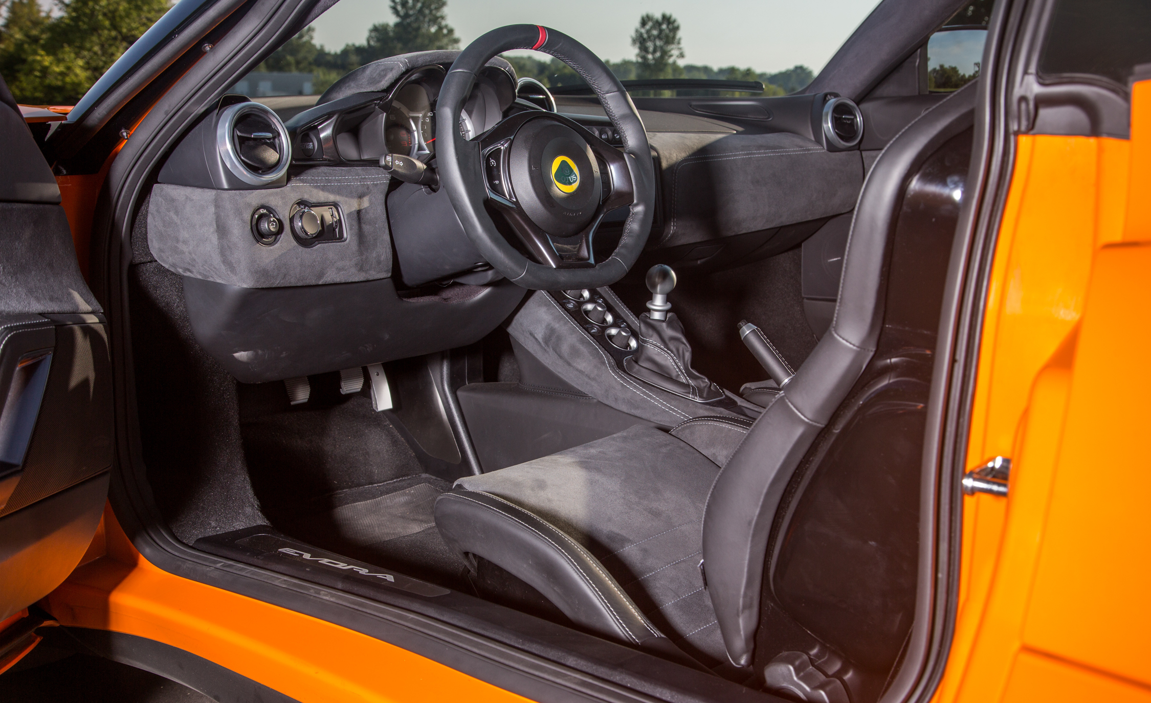 2017 Lotus Evora 400 Interior Cockpit (Photo 8 of 12)
