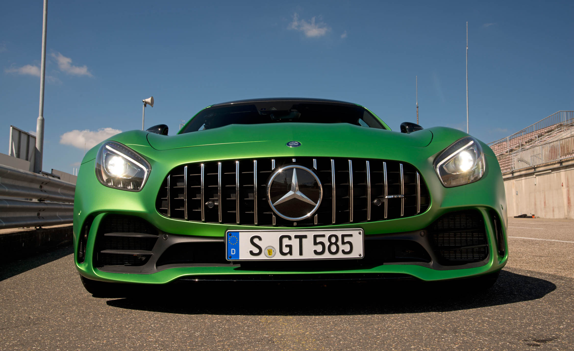 2017 Mercedes Amg Gt R Exterior Front End (Photo 12 of 22)