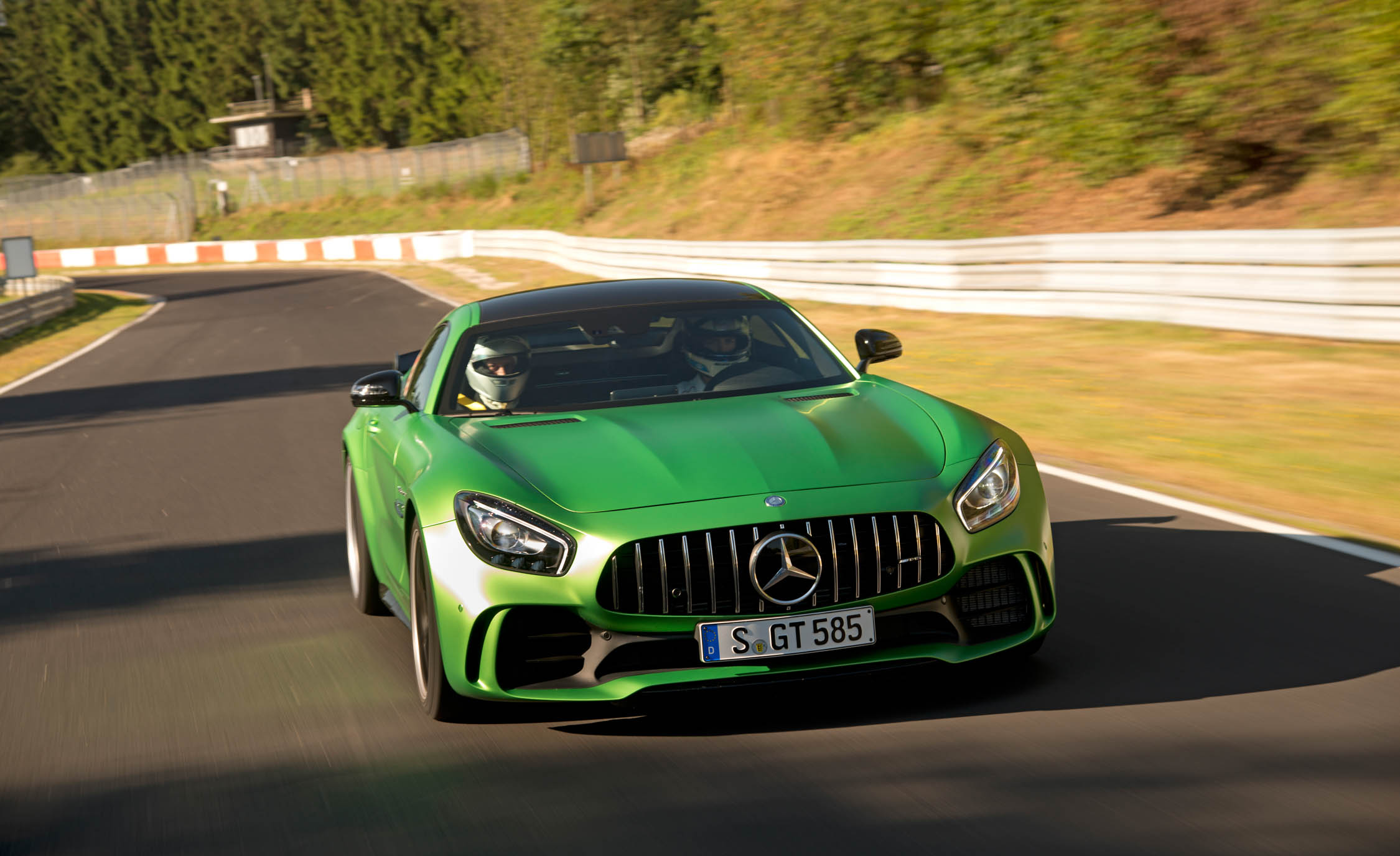 2017 Mercedes Amg Gt R Front View (View 9 of 22)
