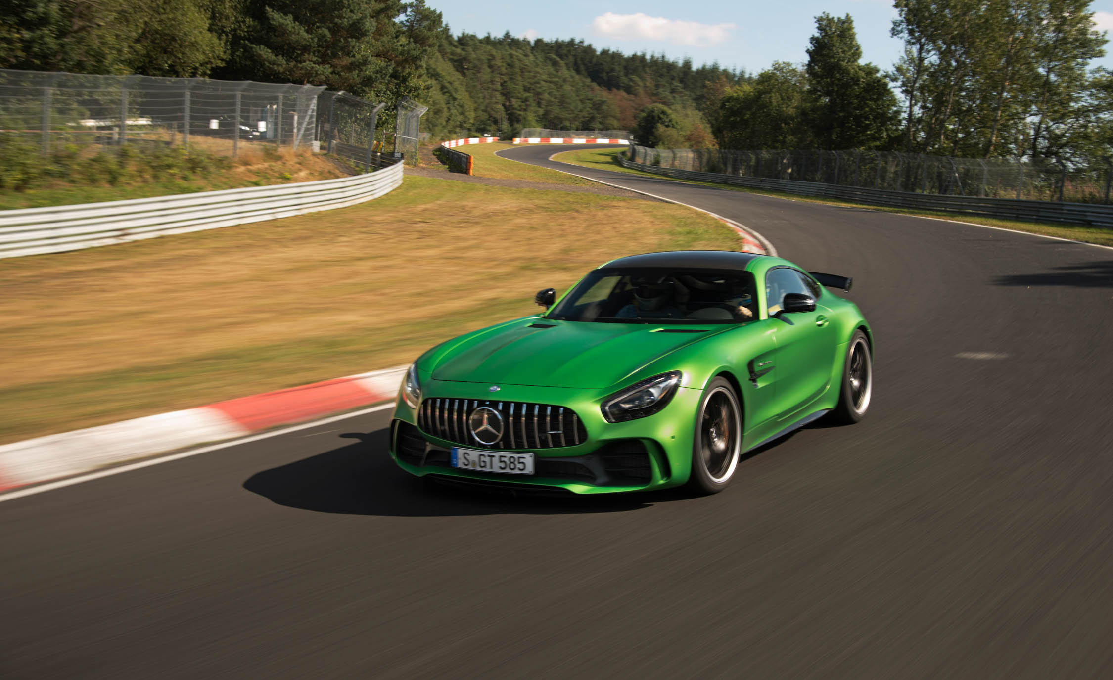 2017 Mercedes Amg Gt R Preview (Photo 18 of 22)