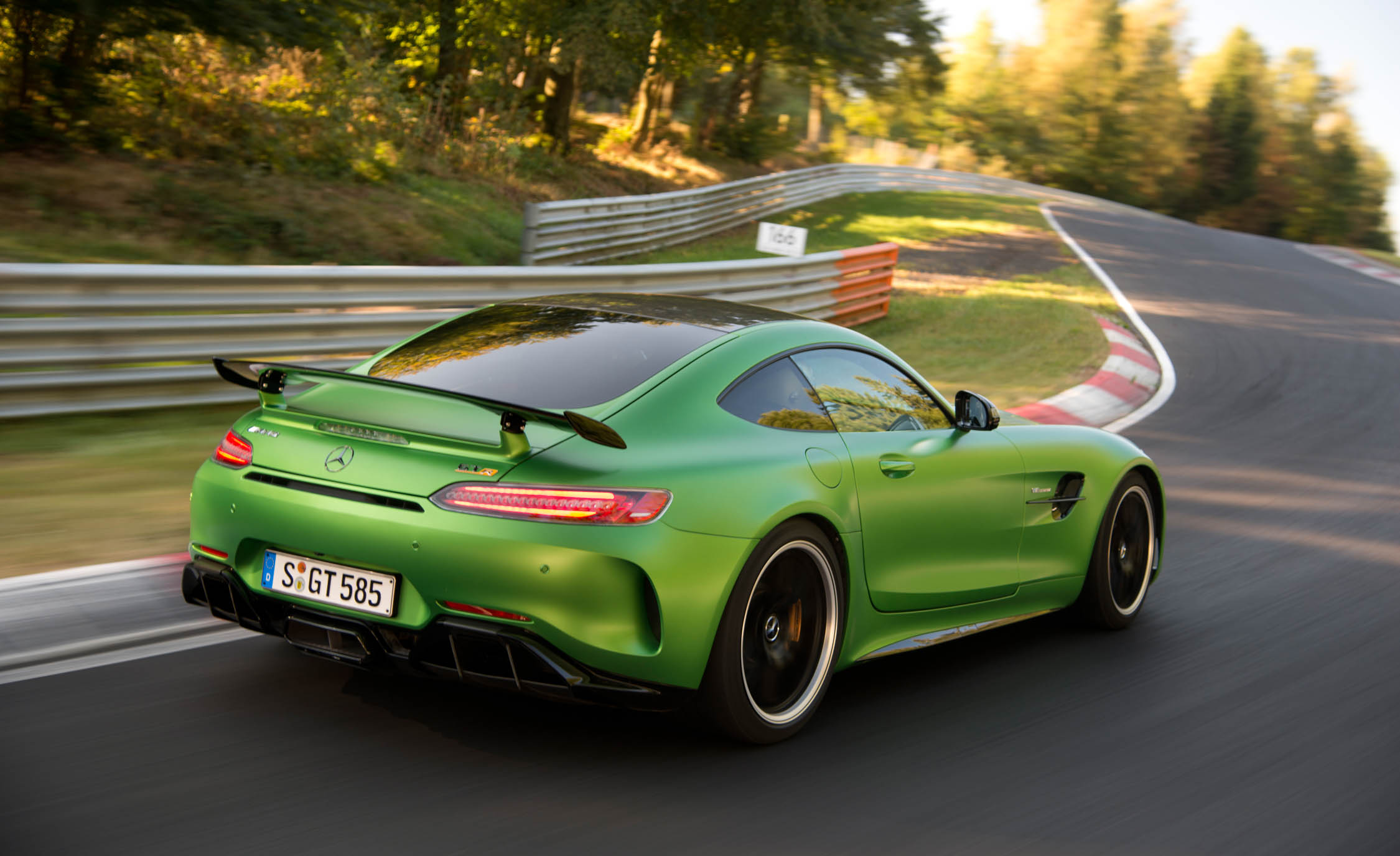 2017 Mercedes Amg Gt R Rear Side View (View 5 of 22)