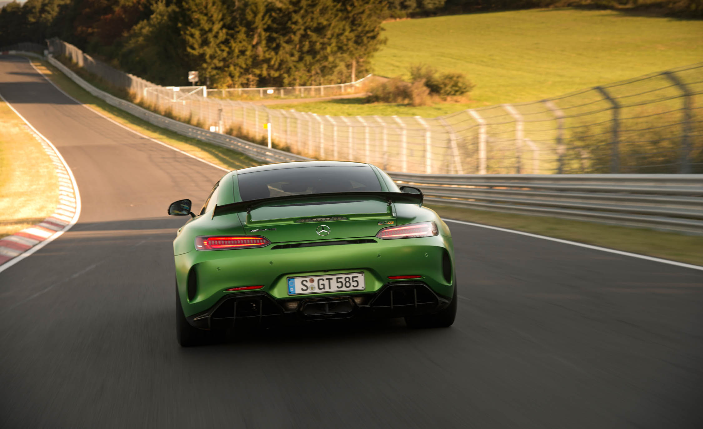 2017 Mercedes Amg Gt R Rear View (View 6 of 22)