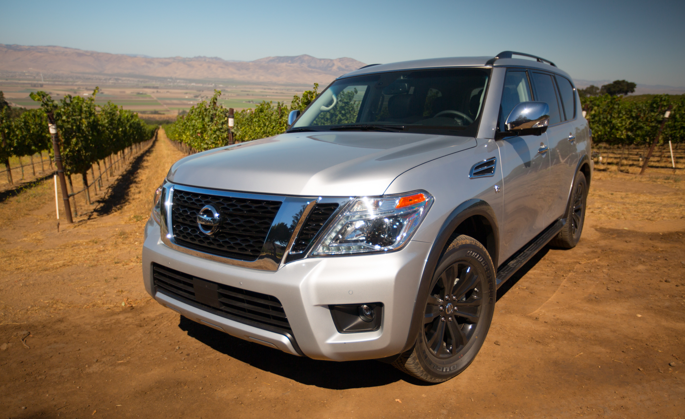 2017 Nissan Armada (View 16 of 27)