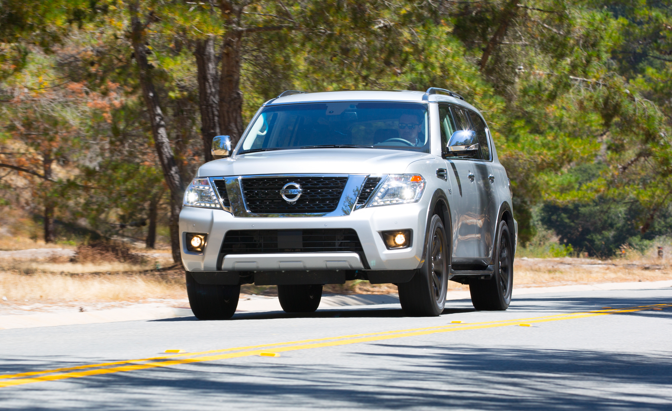 2017 Nissan Armada (View 21 of 27)
