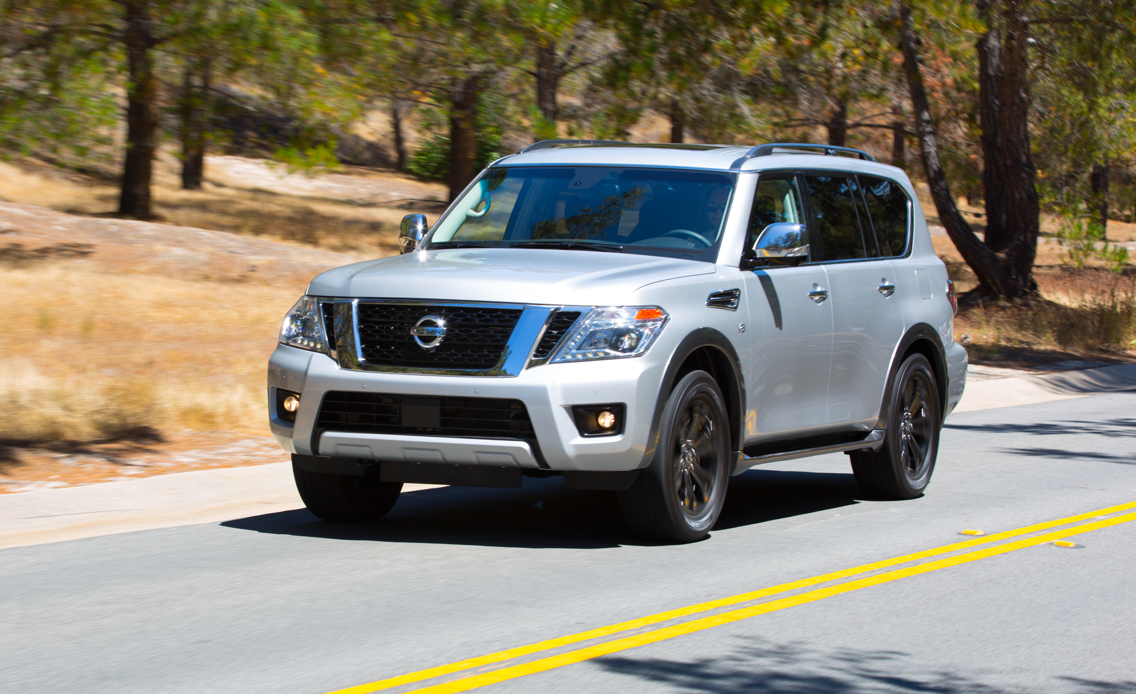 2017 Nissan Armada (View 22 of 27)