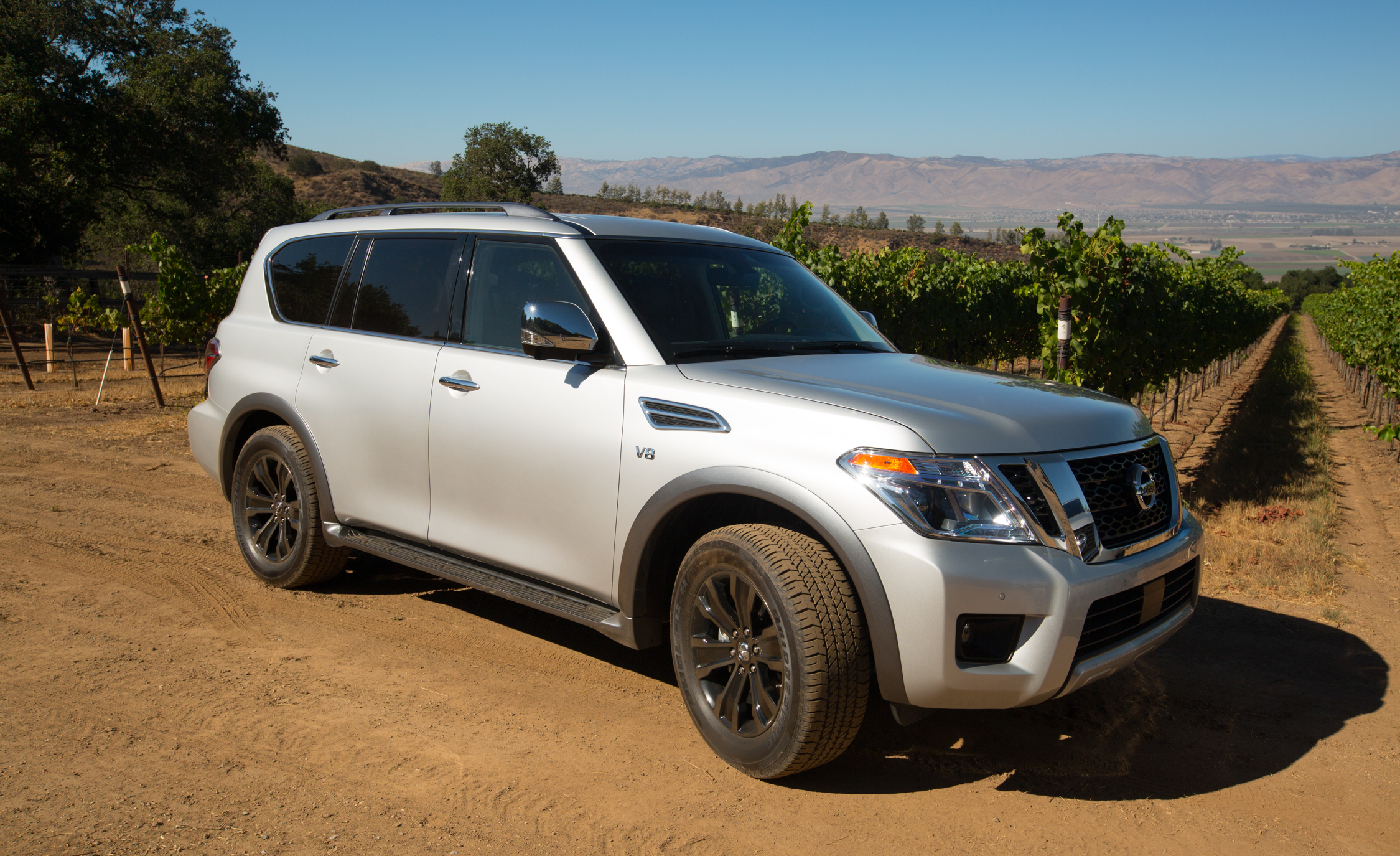 2017 Nissan Armada (View 13 of 27)