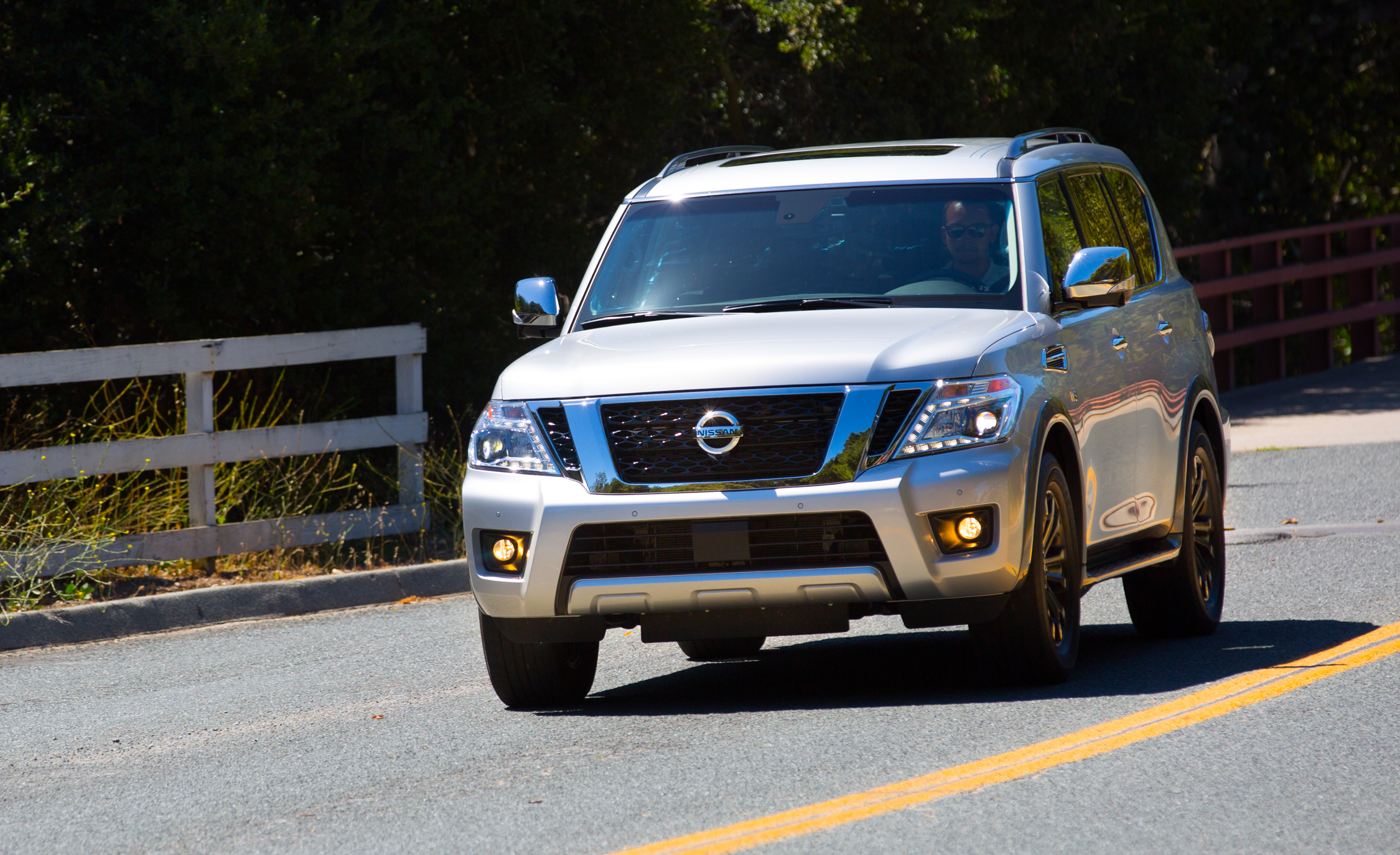 2017 Nissan Armada (View 19 of 27)