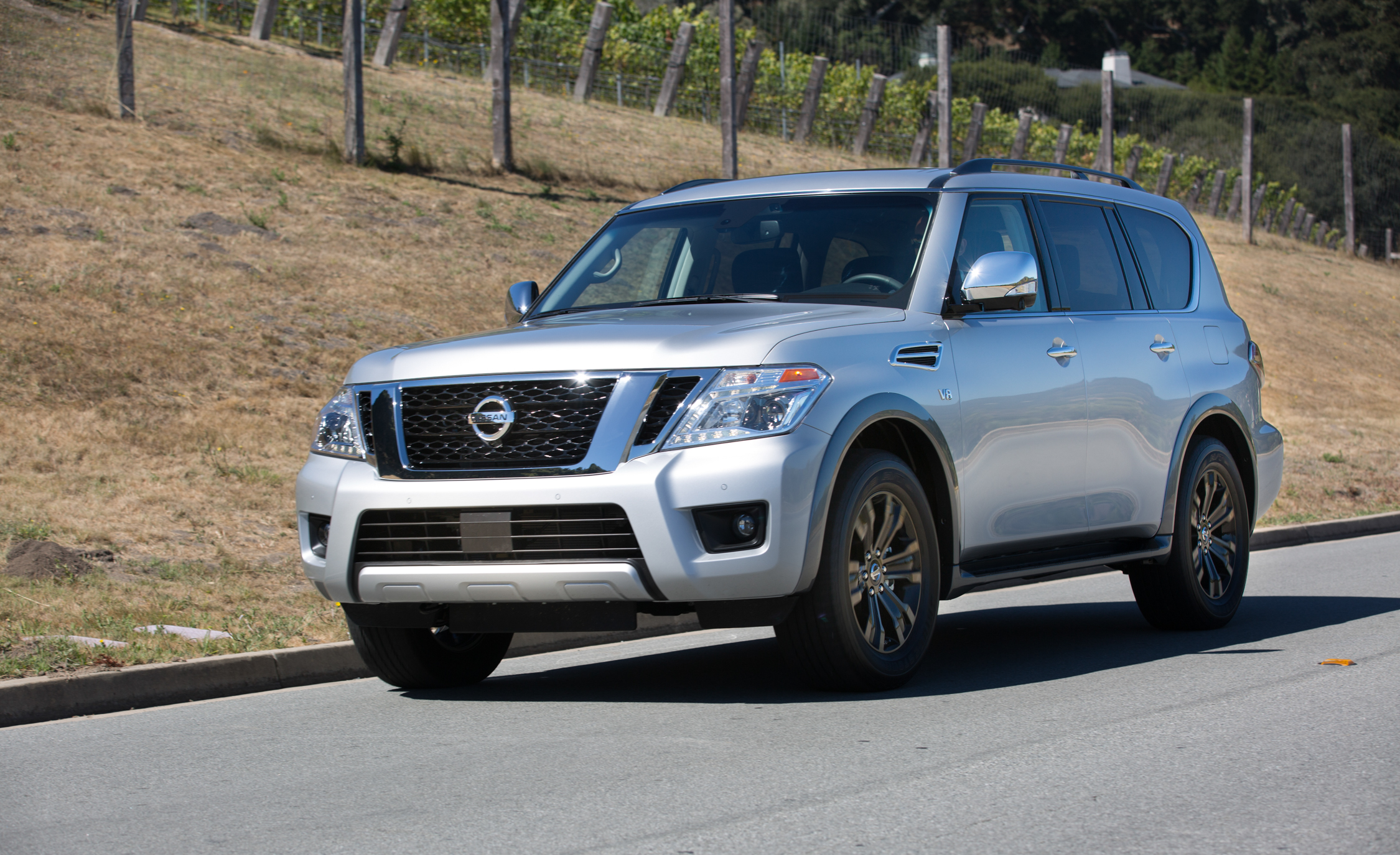 2017 Nissan Armada (View 23 of 27)