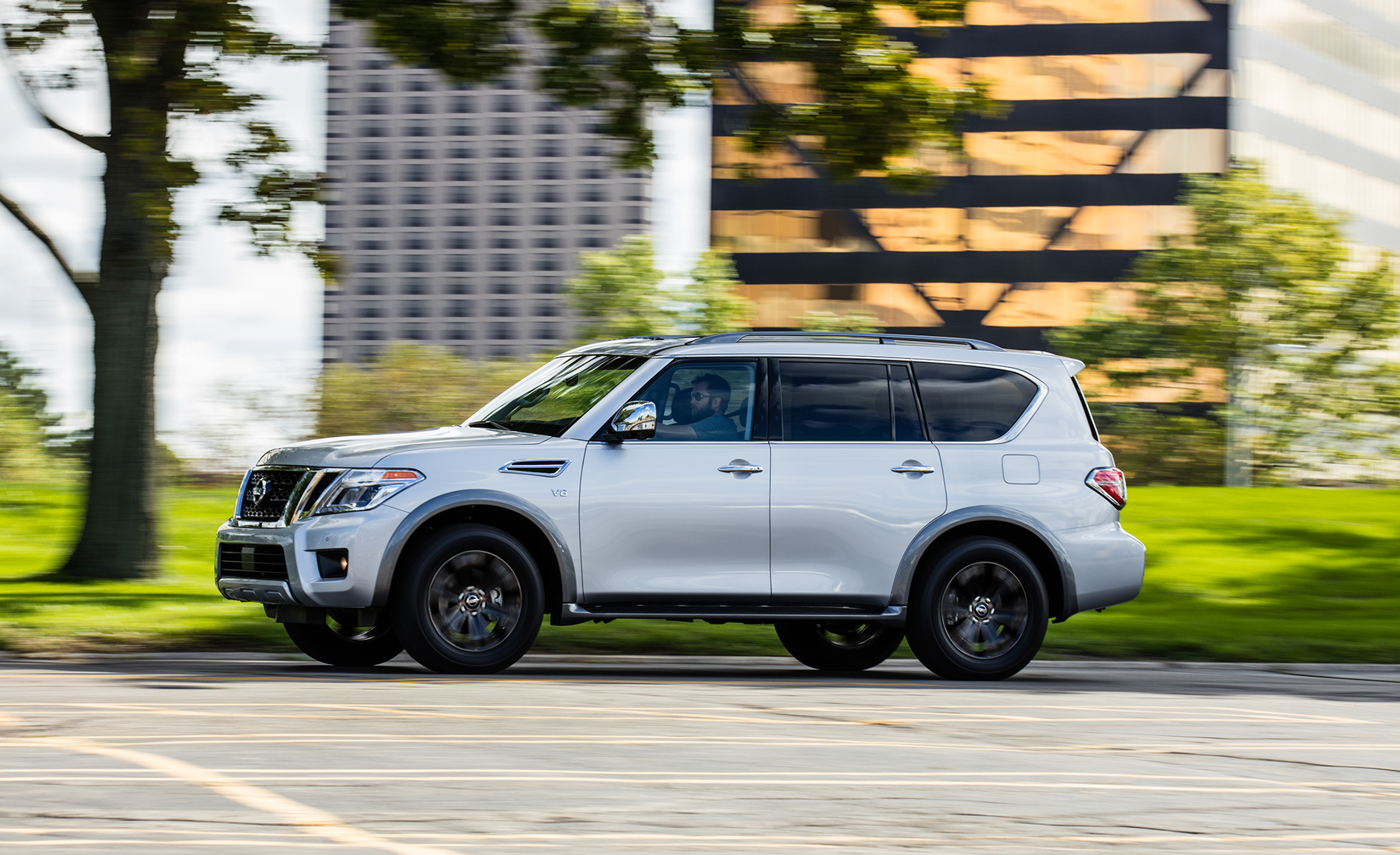 2017 Nissan Armada Platinum (View 3 of 27)