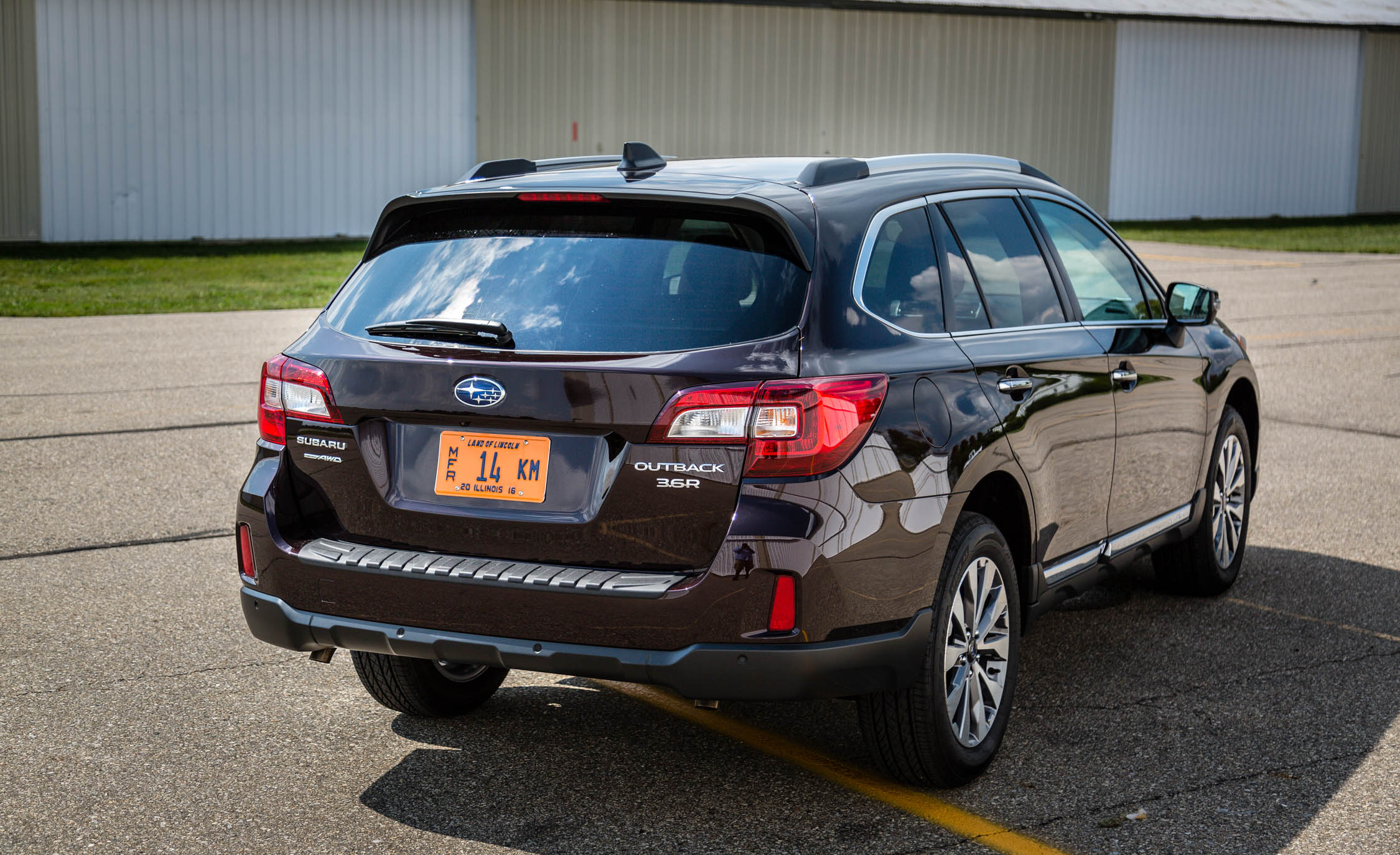 2017 Subaru Outback (View 4 of 13)