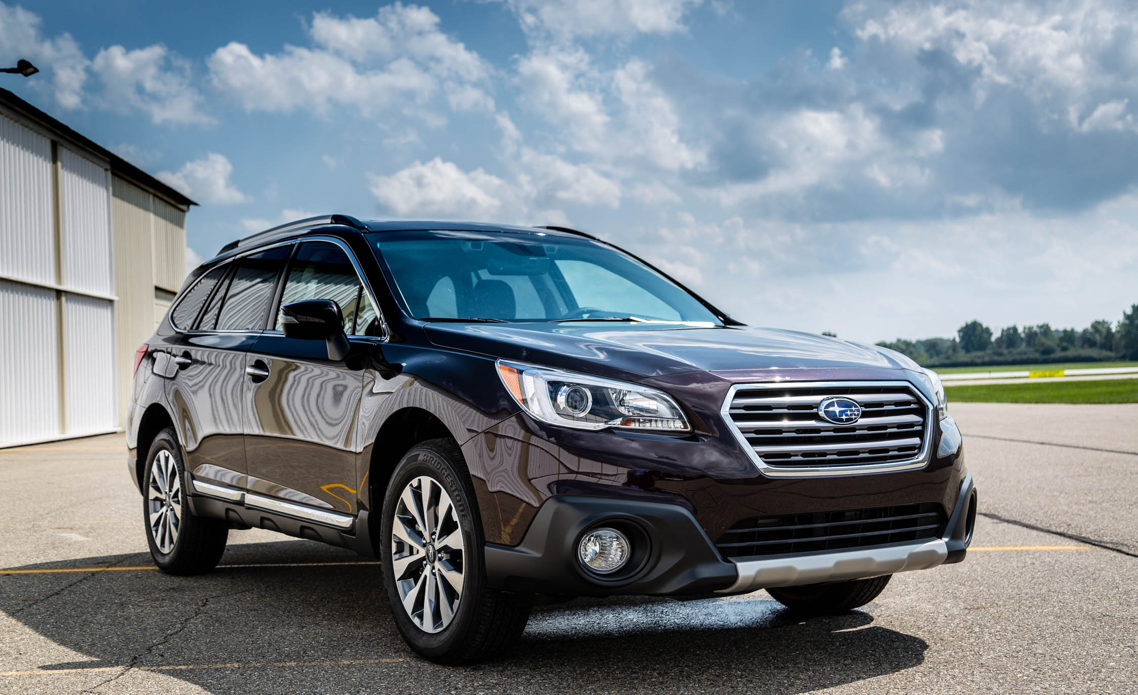 2017 Subaru Outback (View 1 of 13)