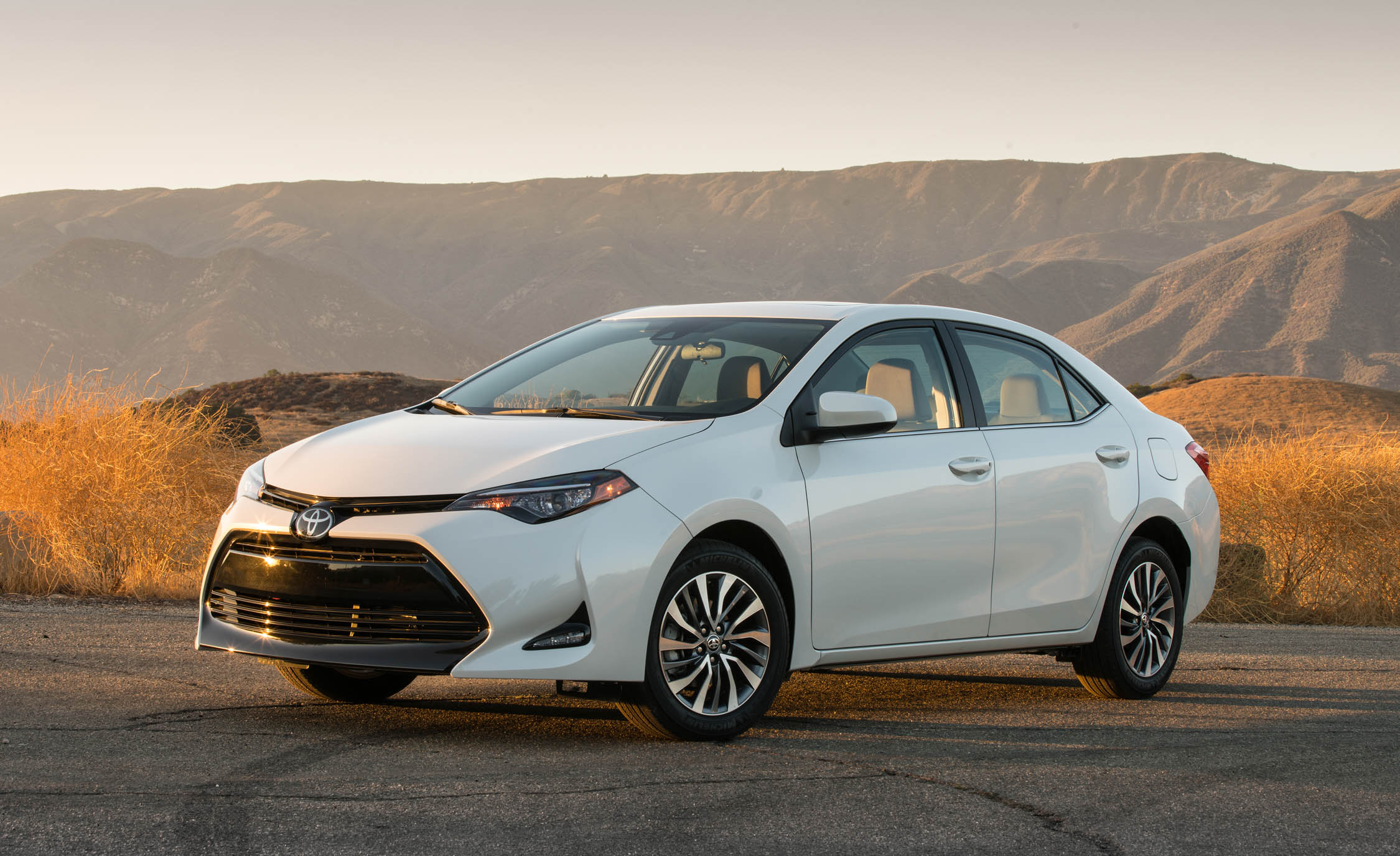 2017 Toyota Corolla LE Eco (View 6 of 75)