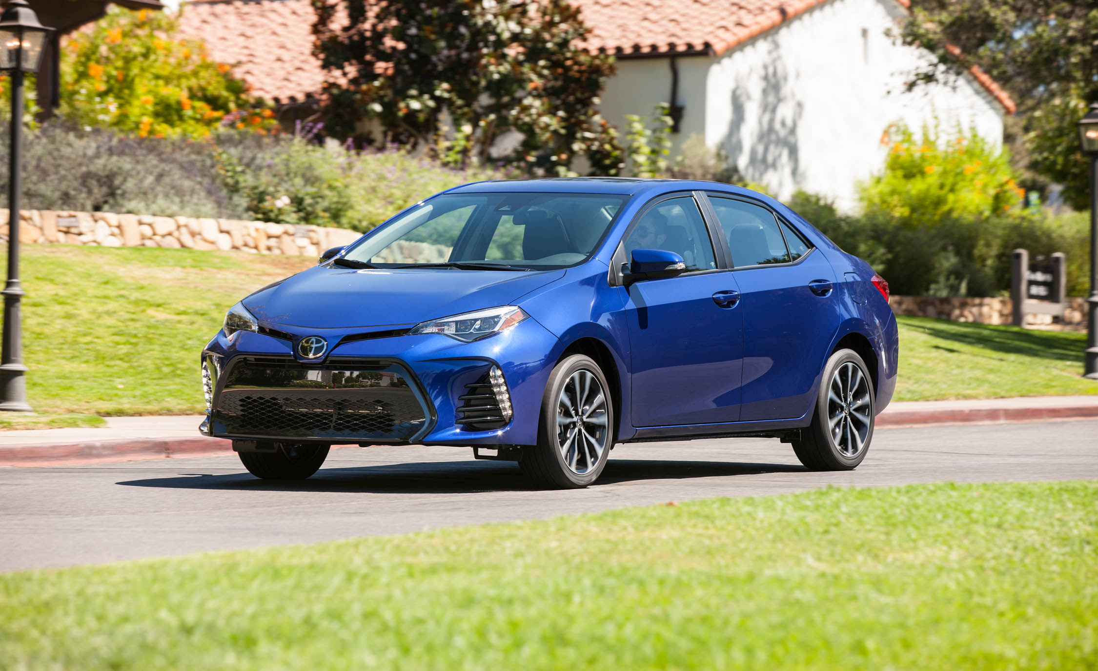 2017 Toyota Corolla SE (View 14 of 75)