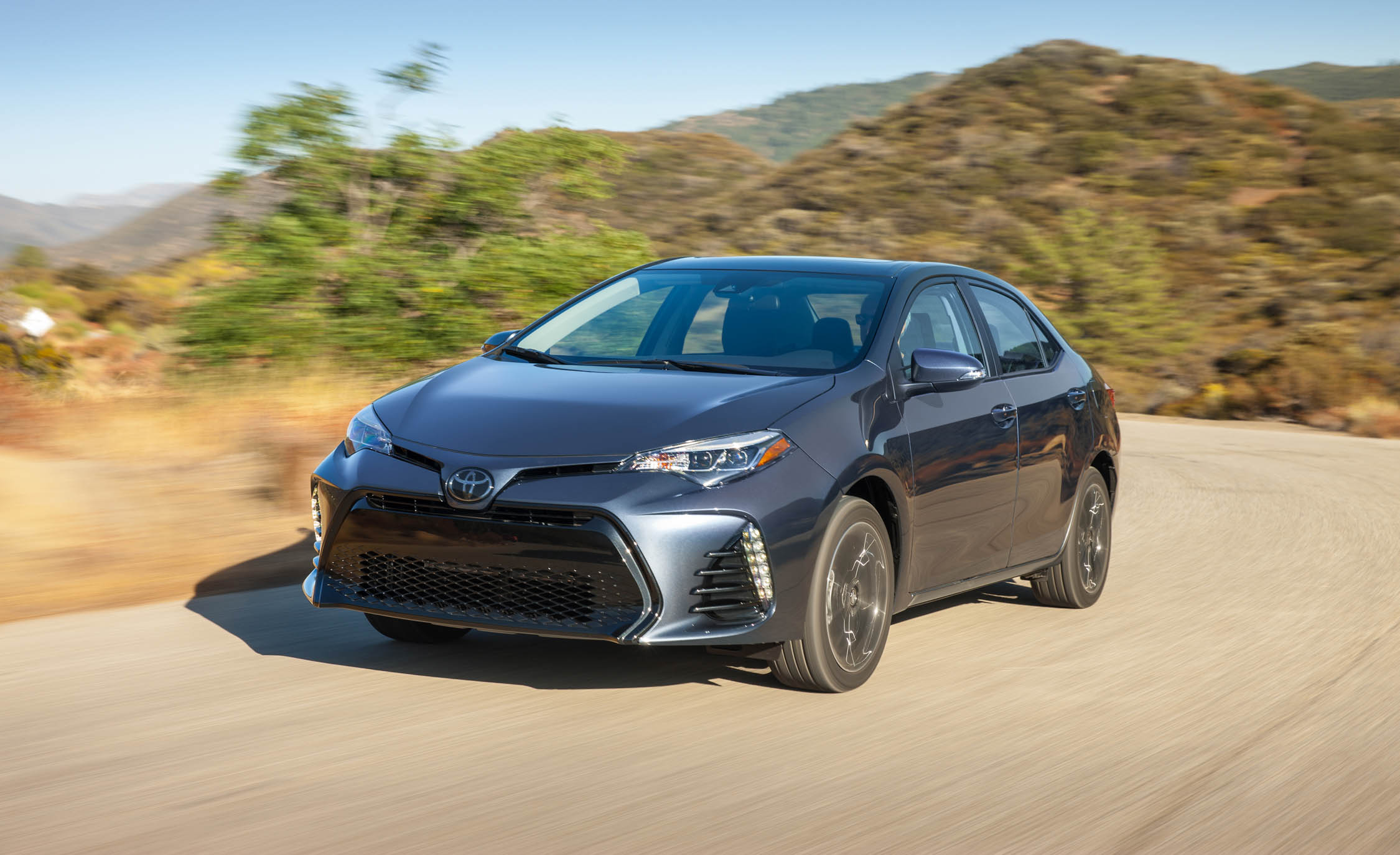 2017 Toyota Corolla XSE (View 28 of 75)