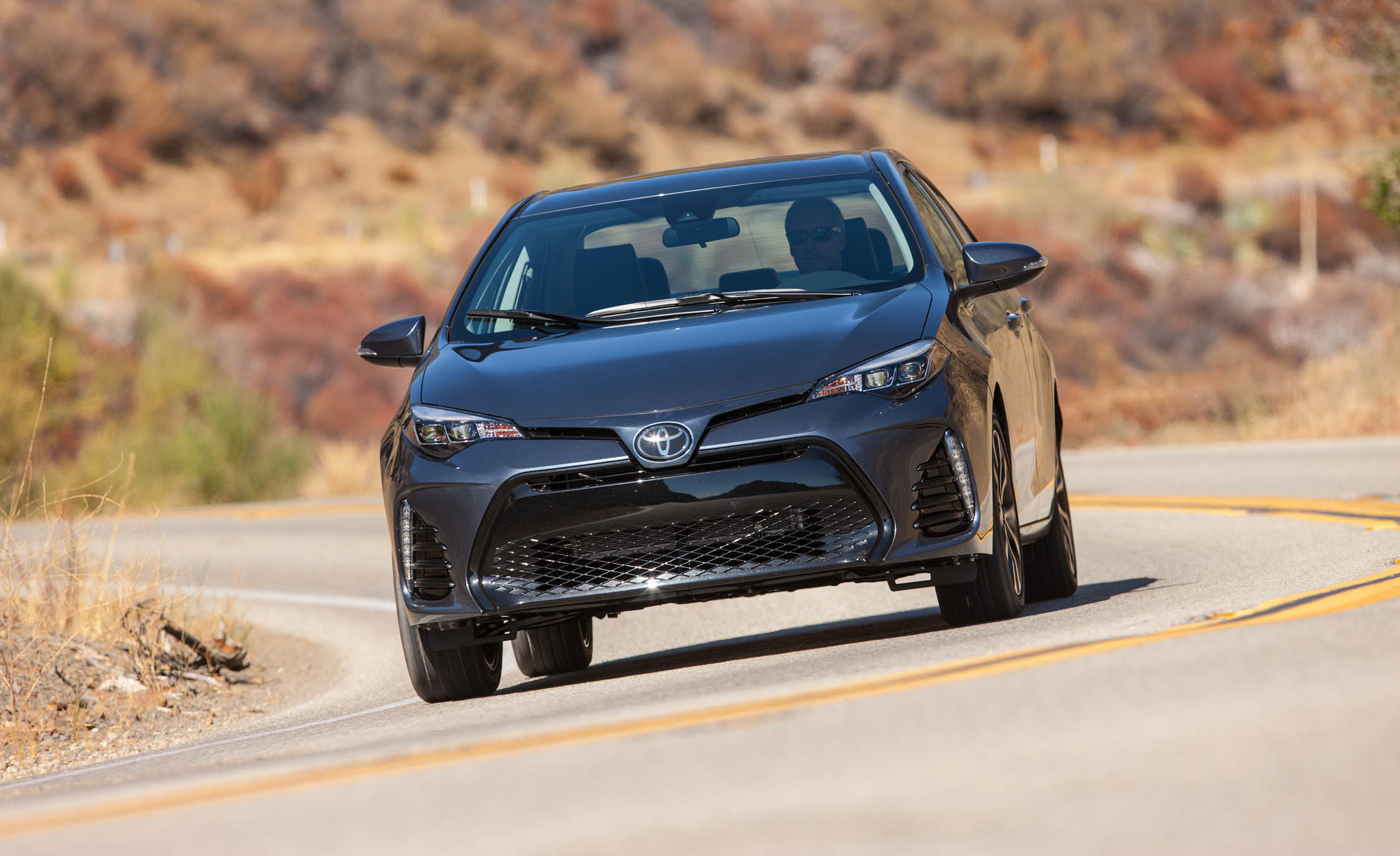 2017 Toyota Corolla XSE (View 4 of 75)