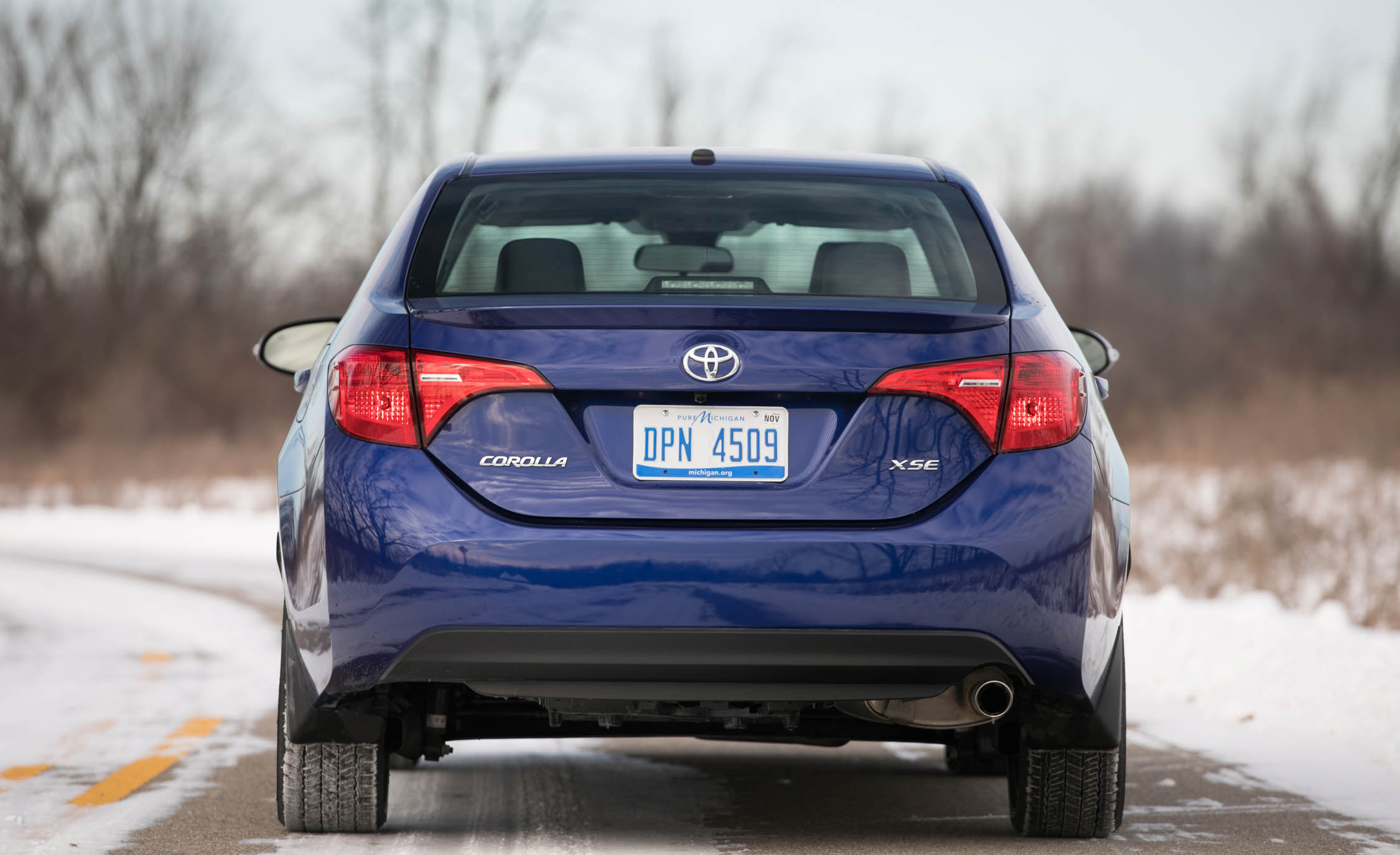 2017 Toyota Corolla XSE Exterior Rear (View 68 of 75)