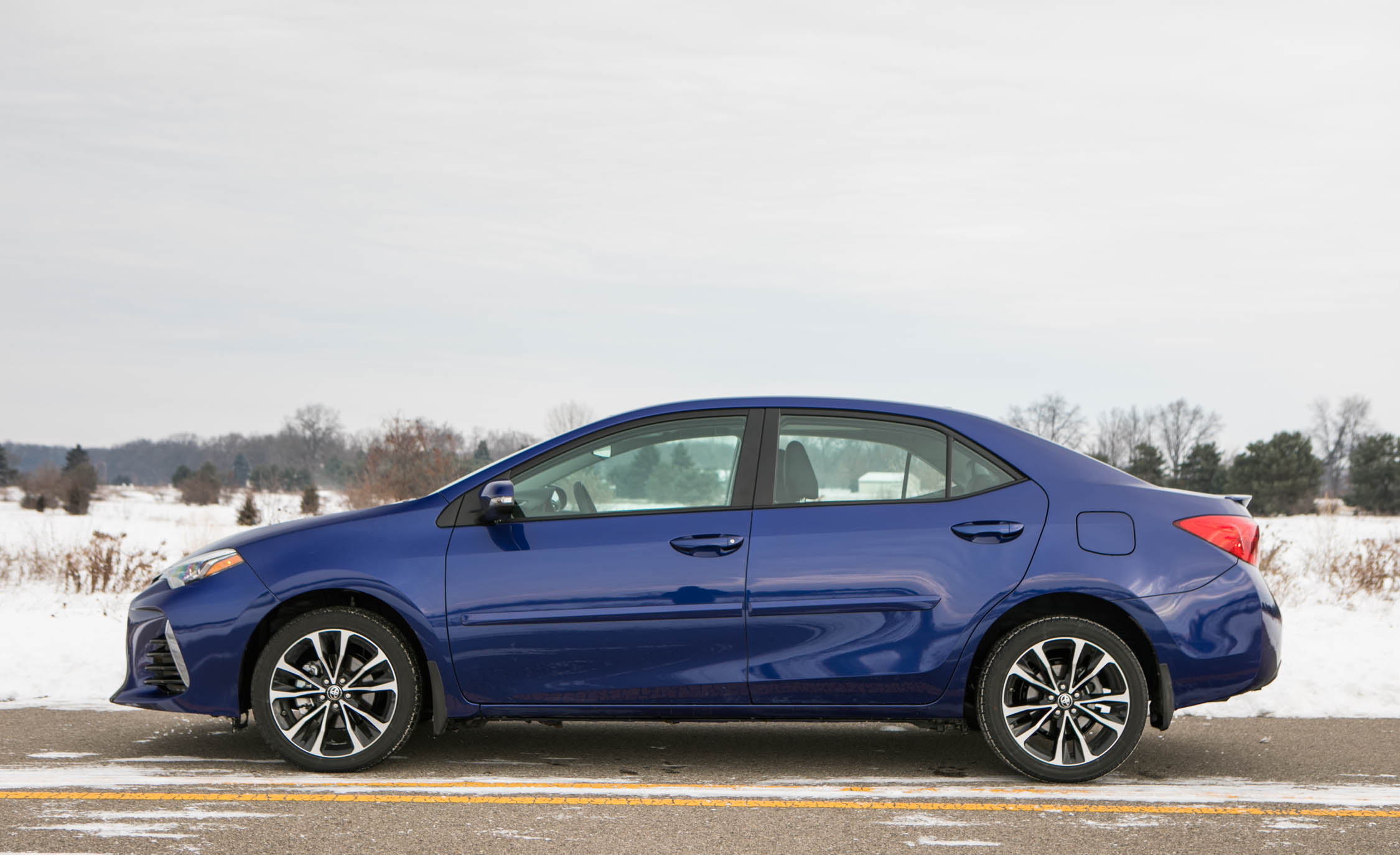 2017 Toyota Corolla XSE Exterior Side (View 62 of 75)