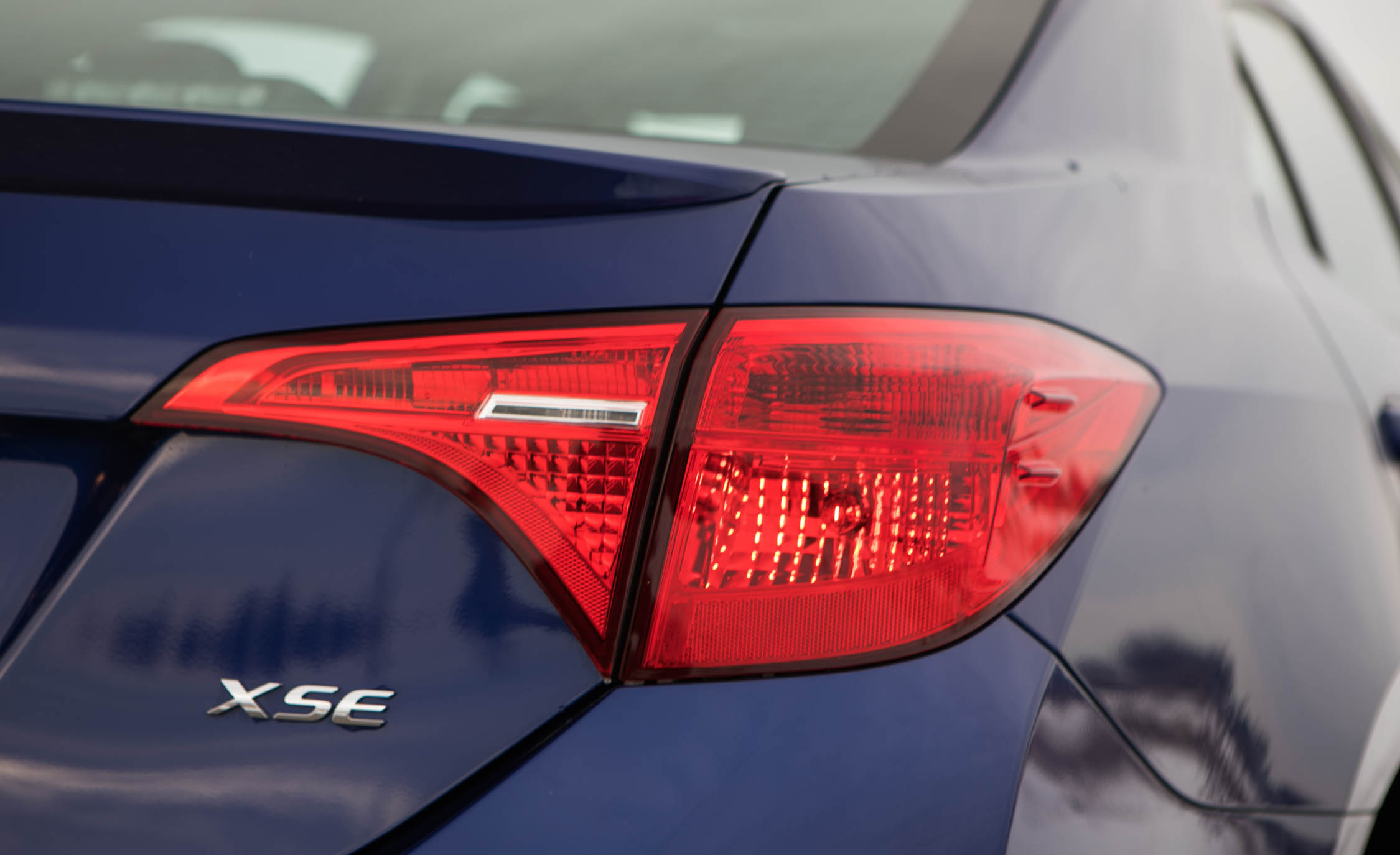 2017 Toyota Corolla XSE Exterior View Taillight (Photo 47 of 75)