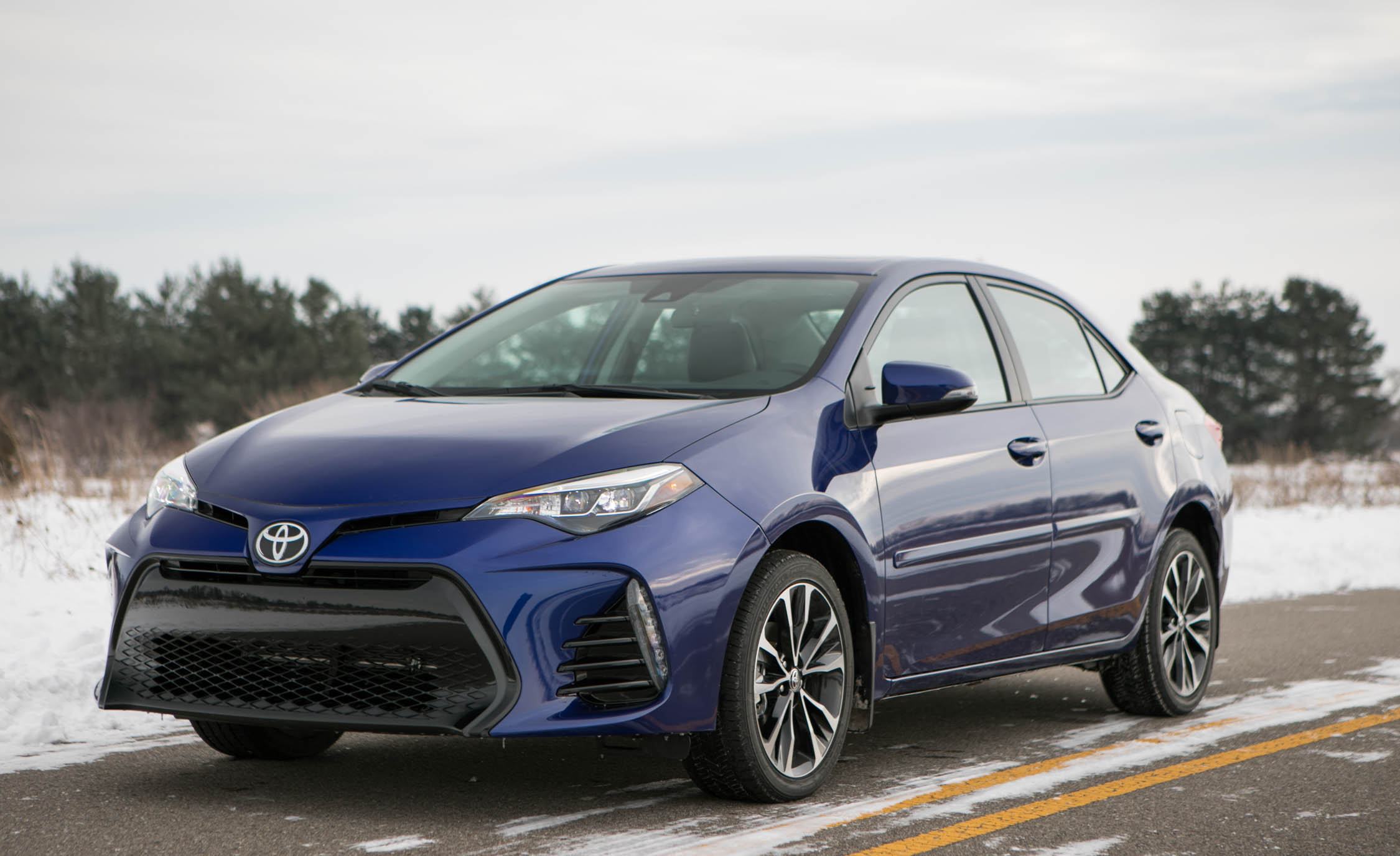 2017 Toyota Corolla XSE Exterior (Photo 31 of 75)