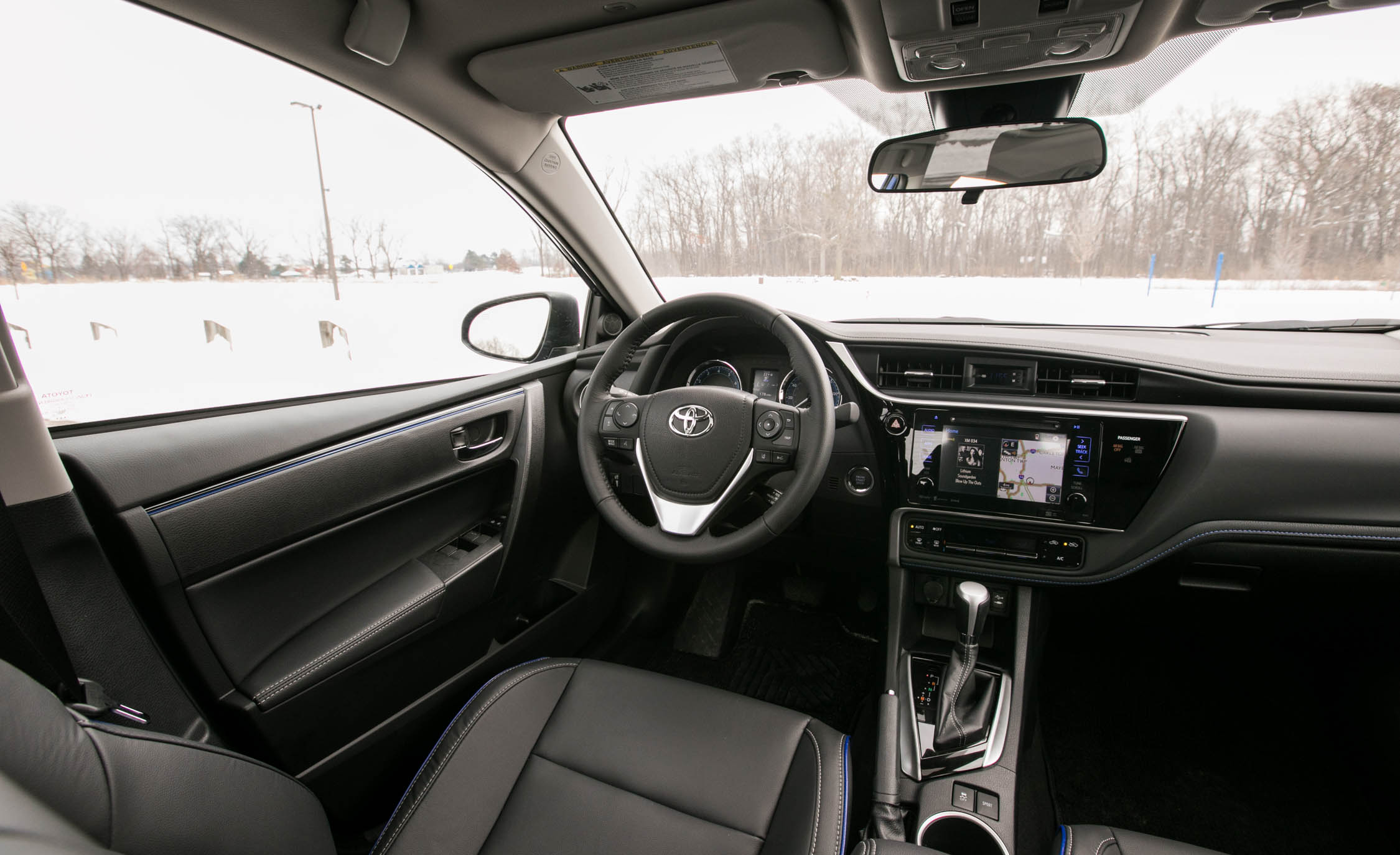 2017 Toyota Corolla XSE Interior Cockpit Driver (View 61 of 75)
