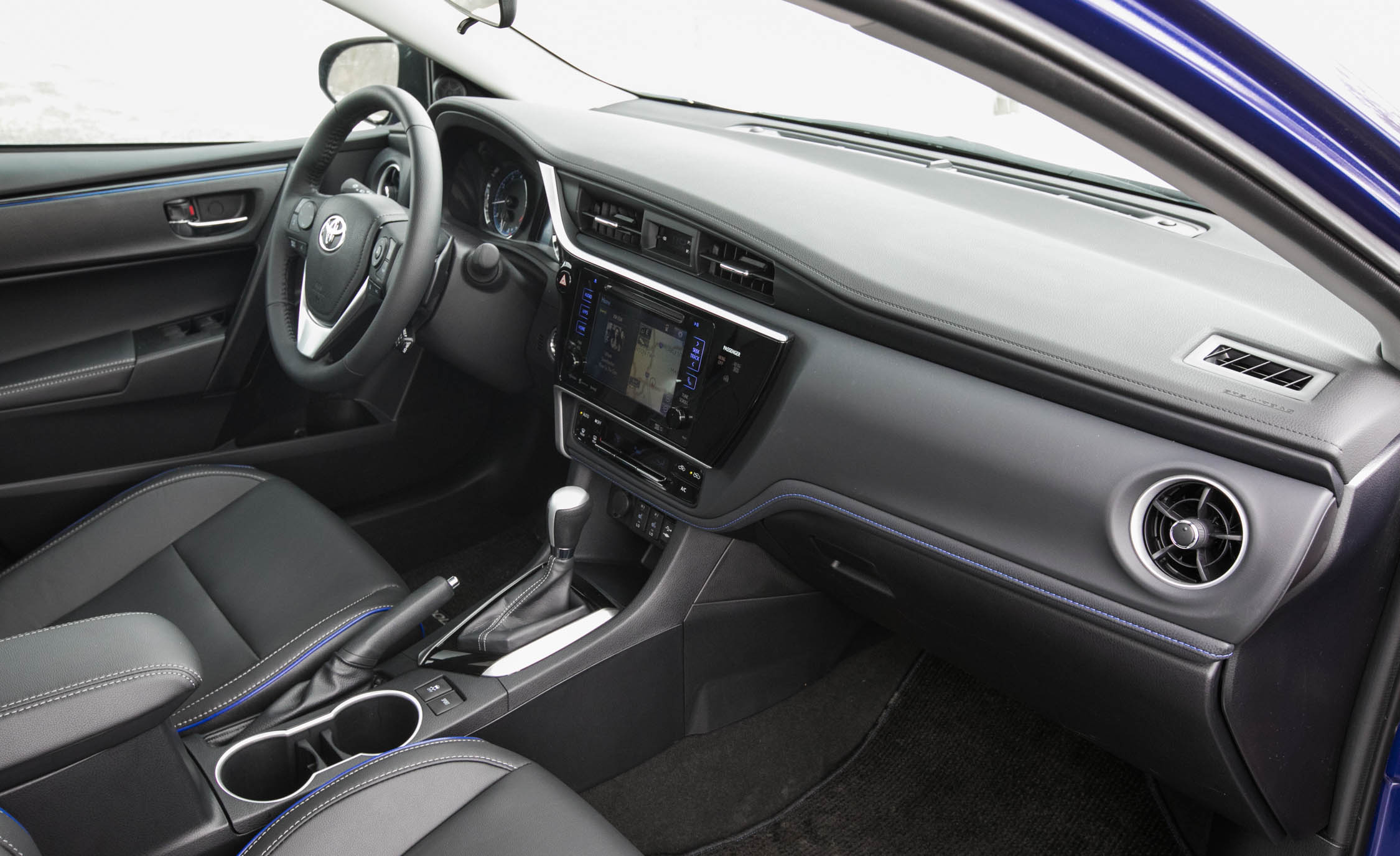 2017 Toyota Corolla XSE Interior Dashboard (Photo 51 of 75)