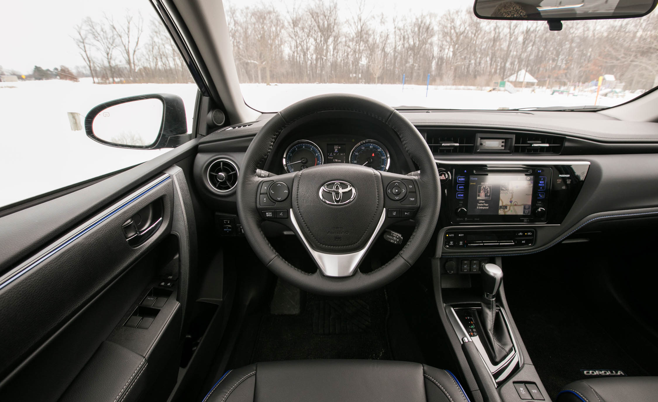 2017 Toyota Corolla XSE Interior Steering And Dash (View 53 of 75)