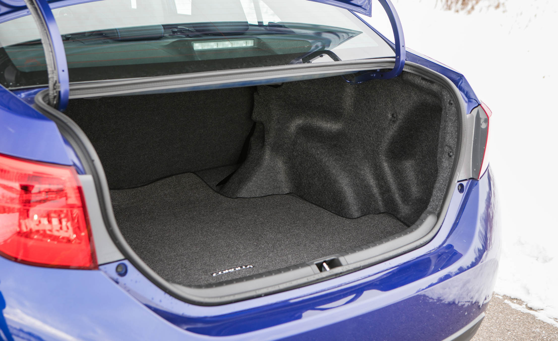 2017 Toyota Corolla XSE Interior View Cargo Trunk (View 45 of 75)