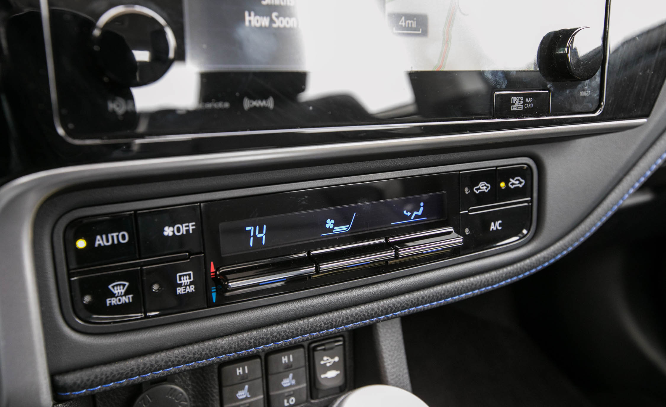 2017 Toyota Corolla XSE Interior View Climate Control (Photo 59 of 75)