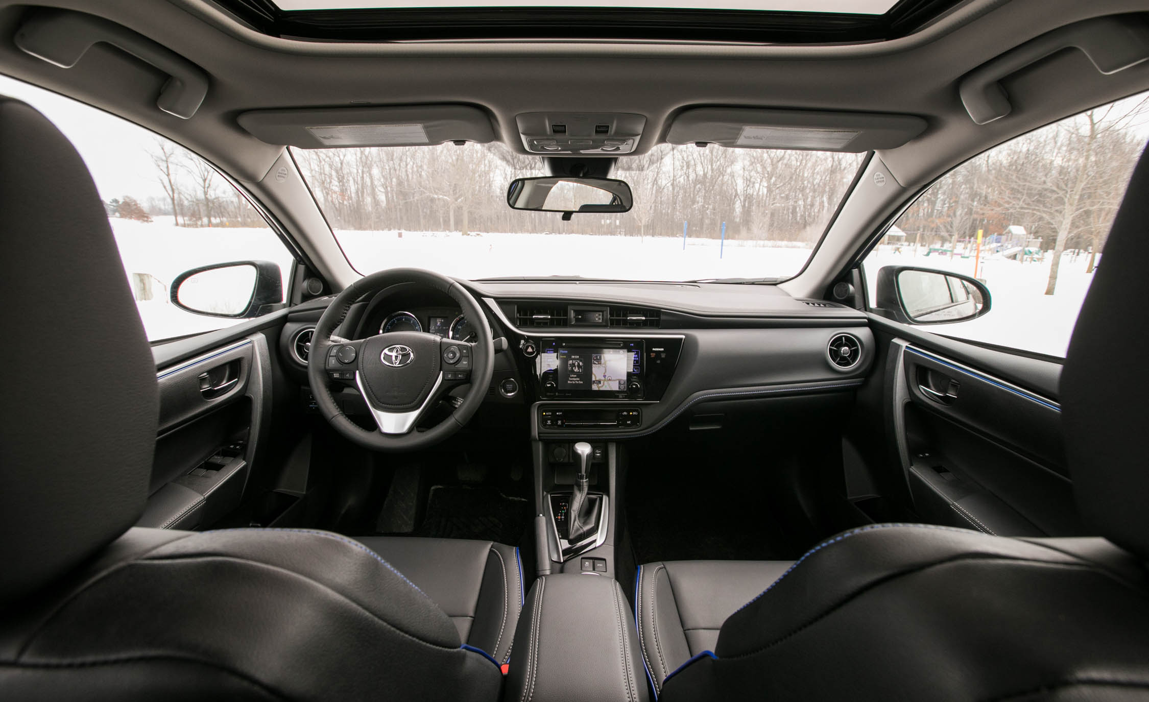 2017 Toyota Corolla XSE Interior (View 30 of 75)