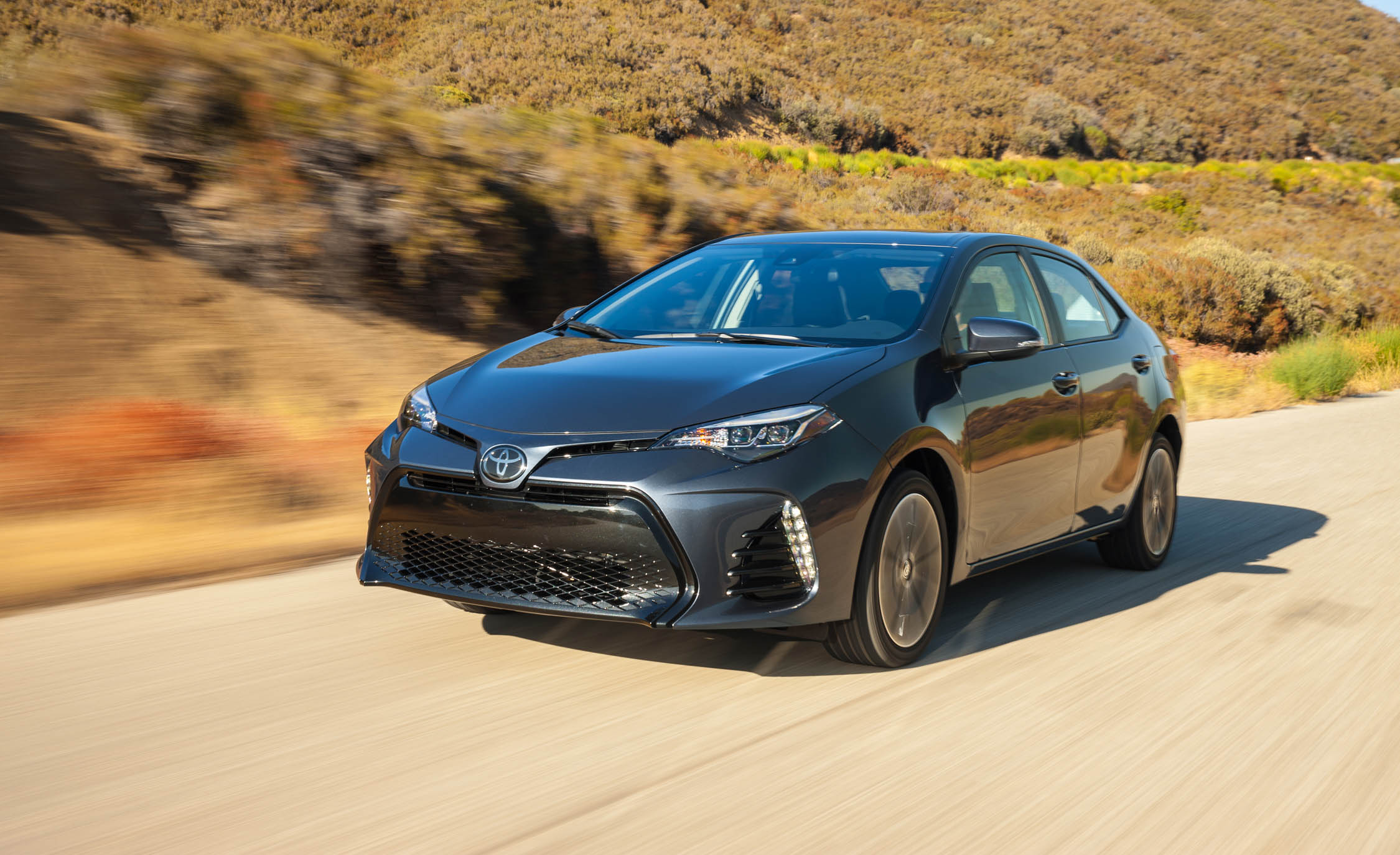 2017 Toyota Corolla XSE (View 5 of 75)