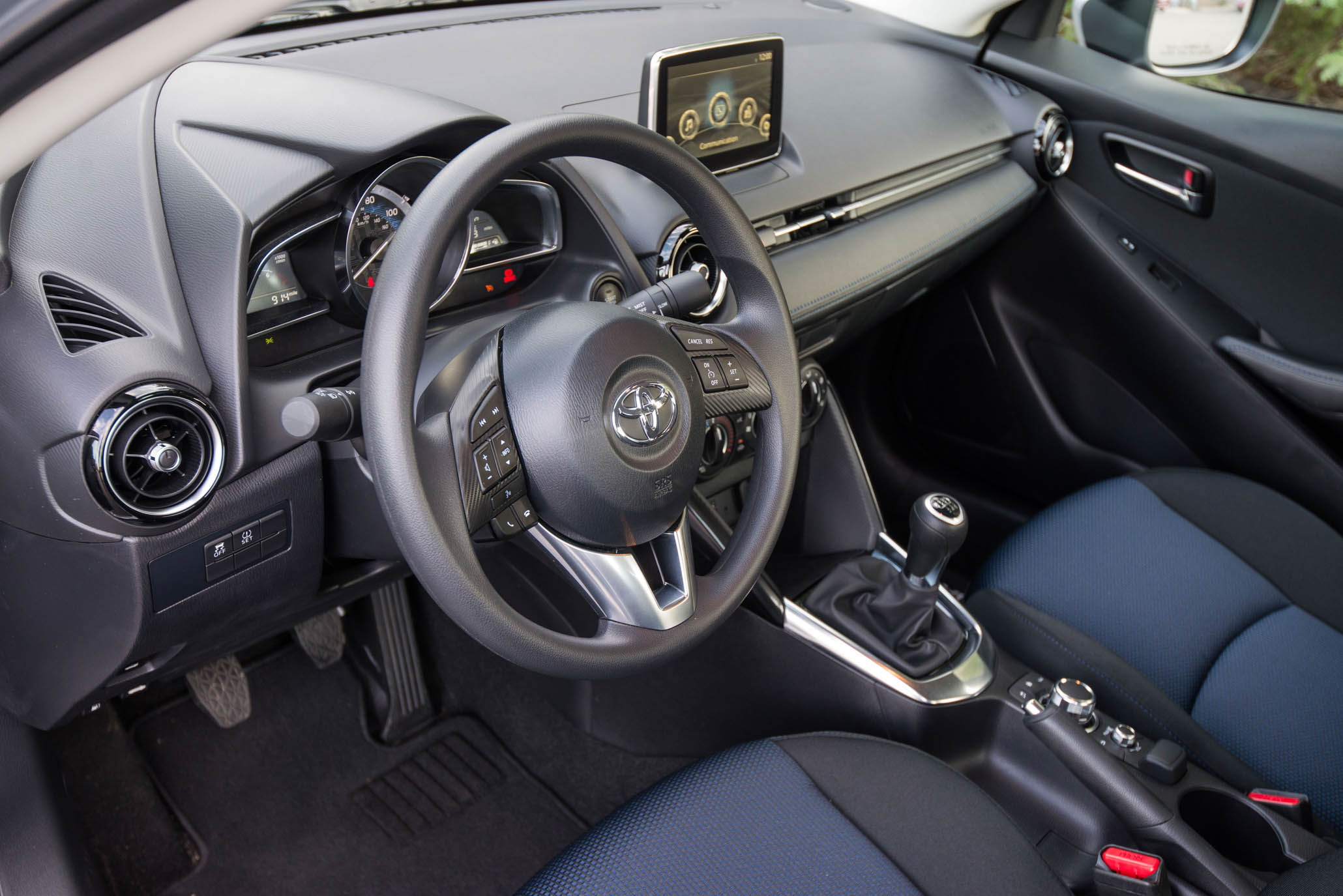 2017 Toyota Yaris IA (View 4 of 33)