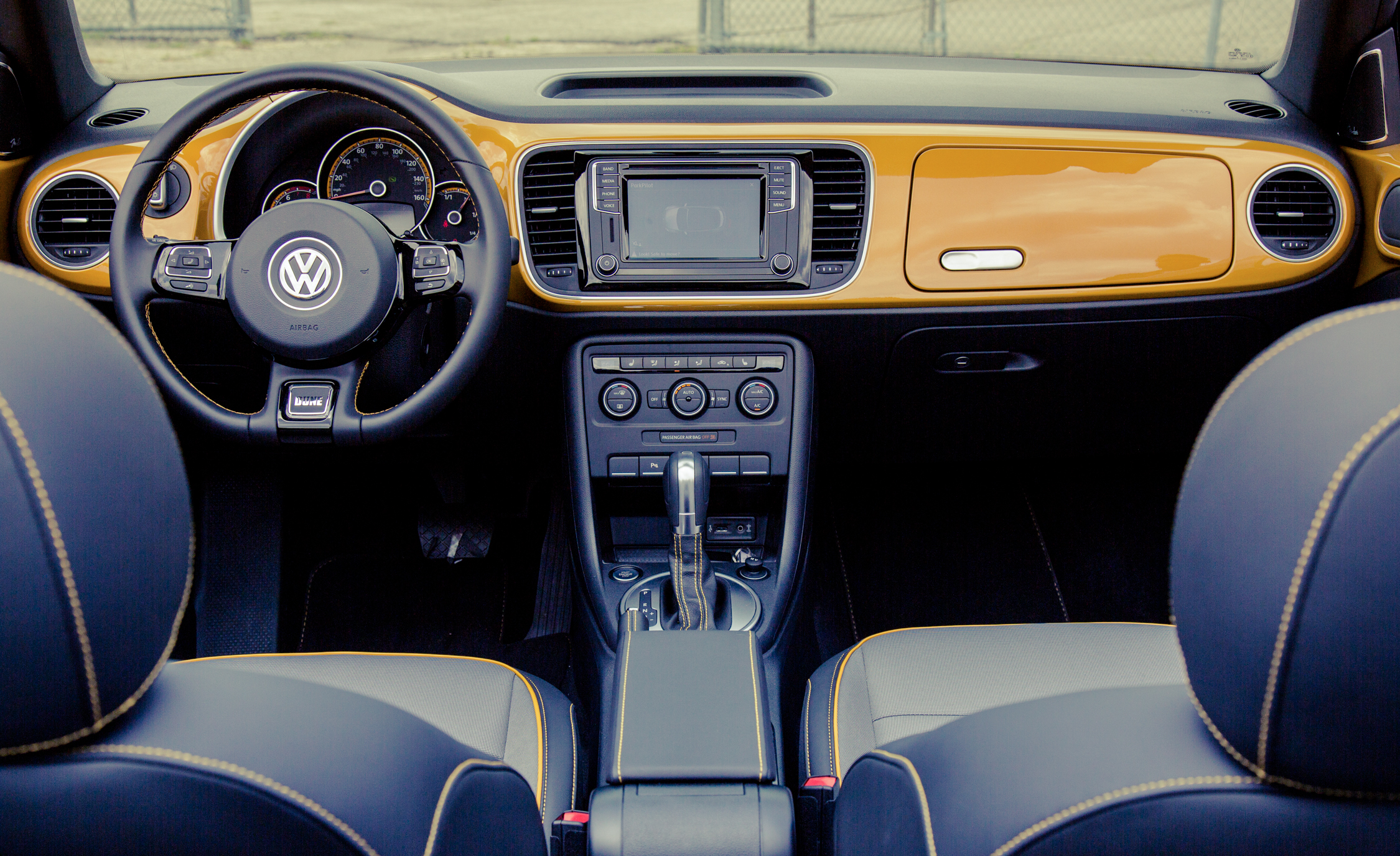 2017 Volkswagen Beetle Dune Convertible Interior Dashboard (View 12 of 19)