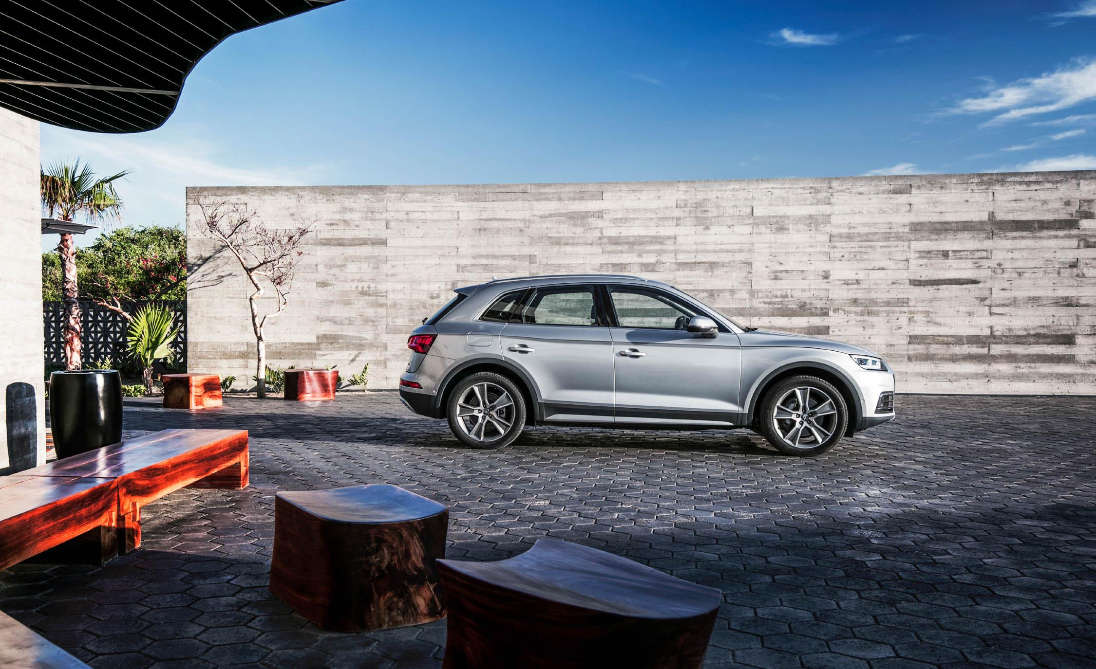 2018 Audi Q (Photo 3 of 40)