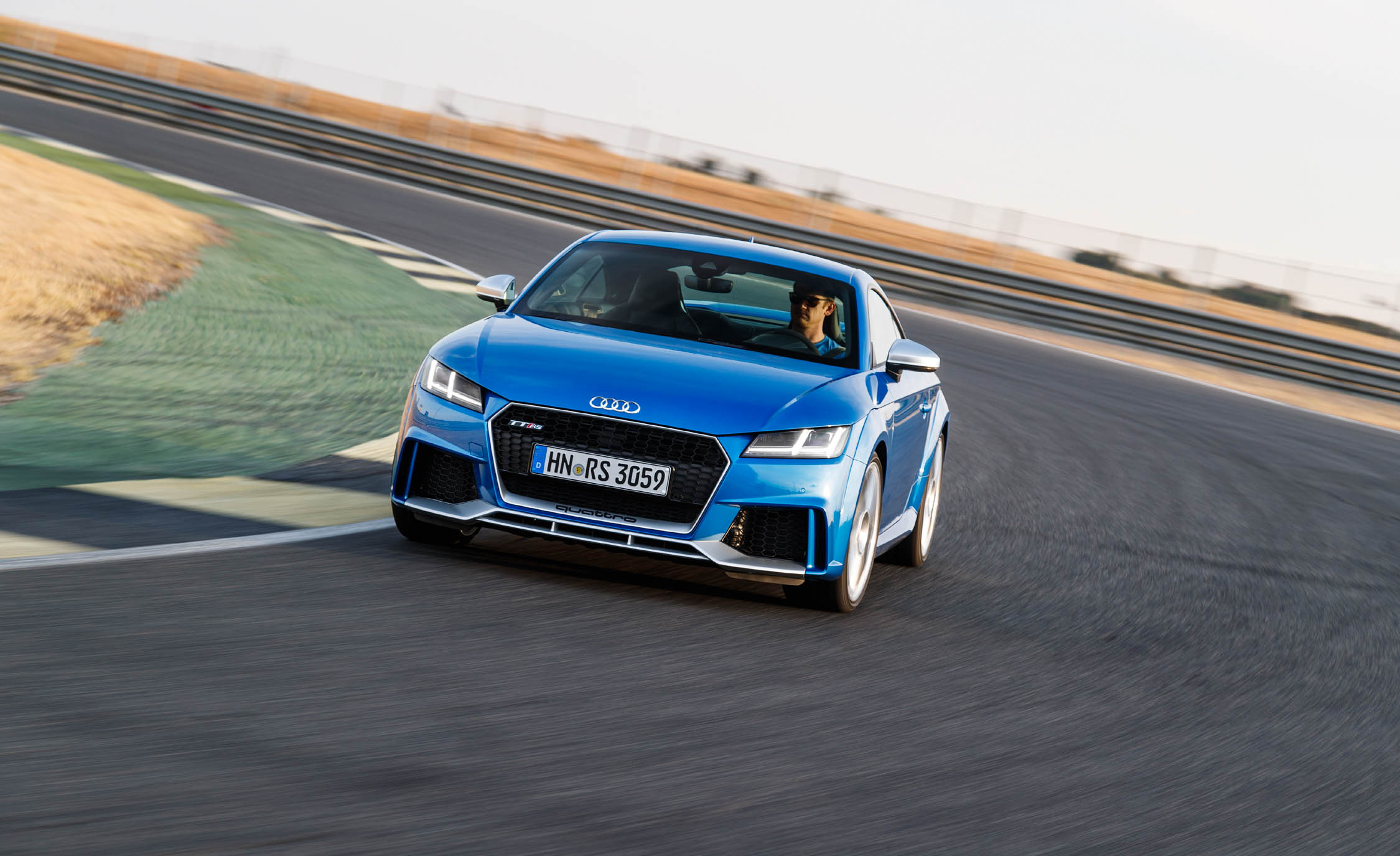 2017 Audi TT RS Coupe (Photo 26 of 34)