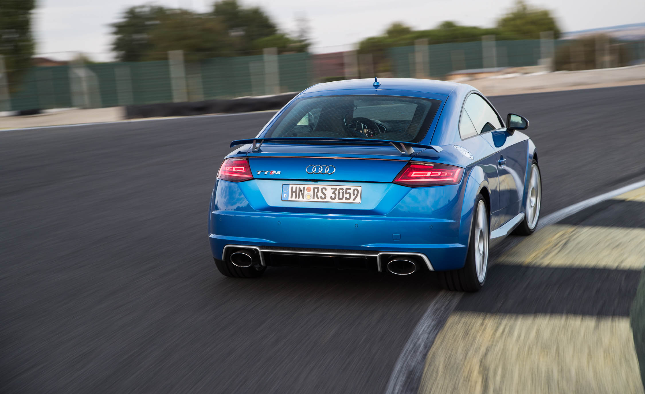 2017 Audi TT RS Coupe (Photo 29 of 34)