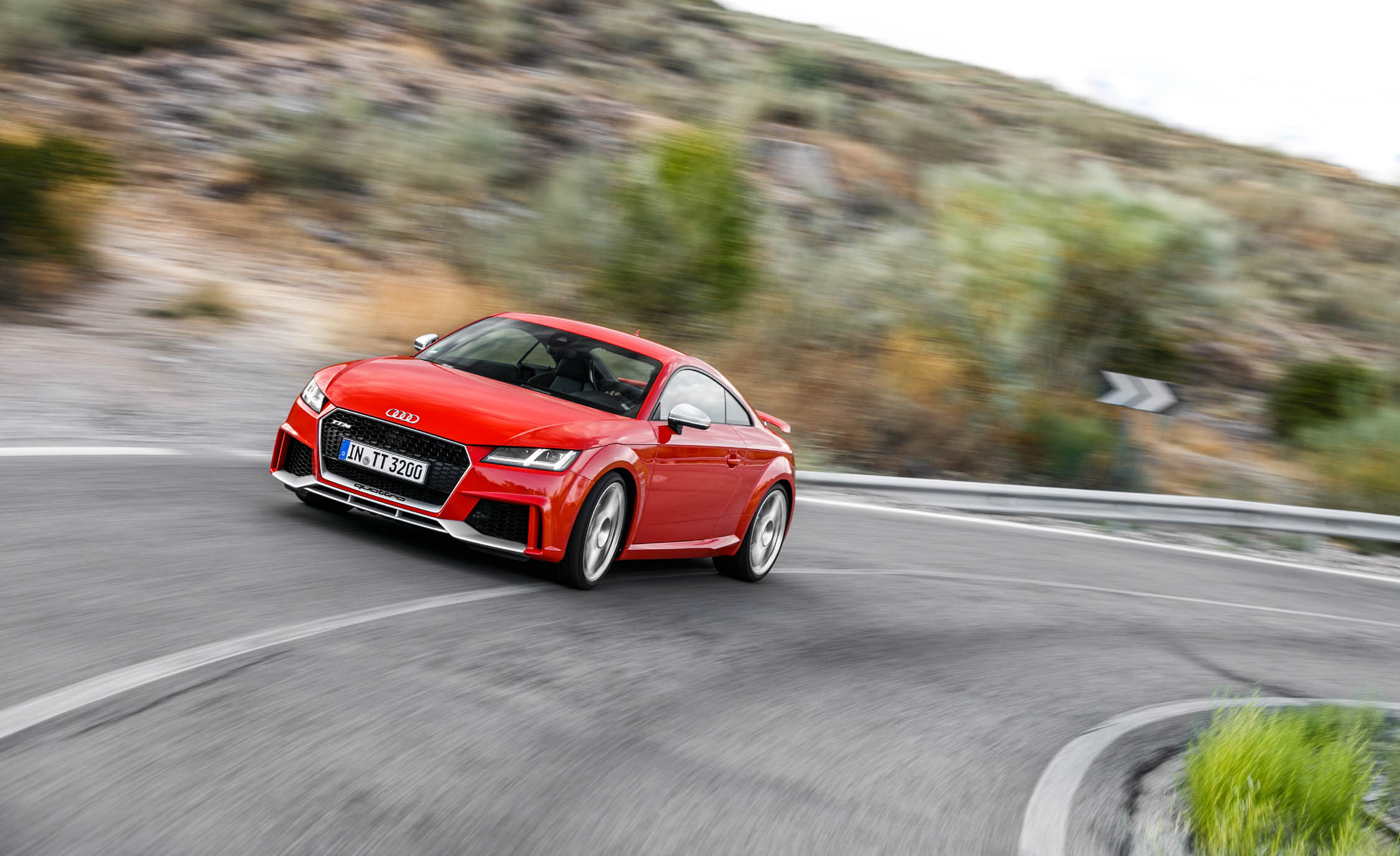 2017 Audi TT RS Coupe (Photo 13 of 34)