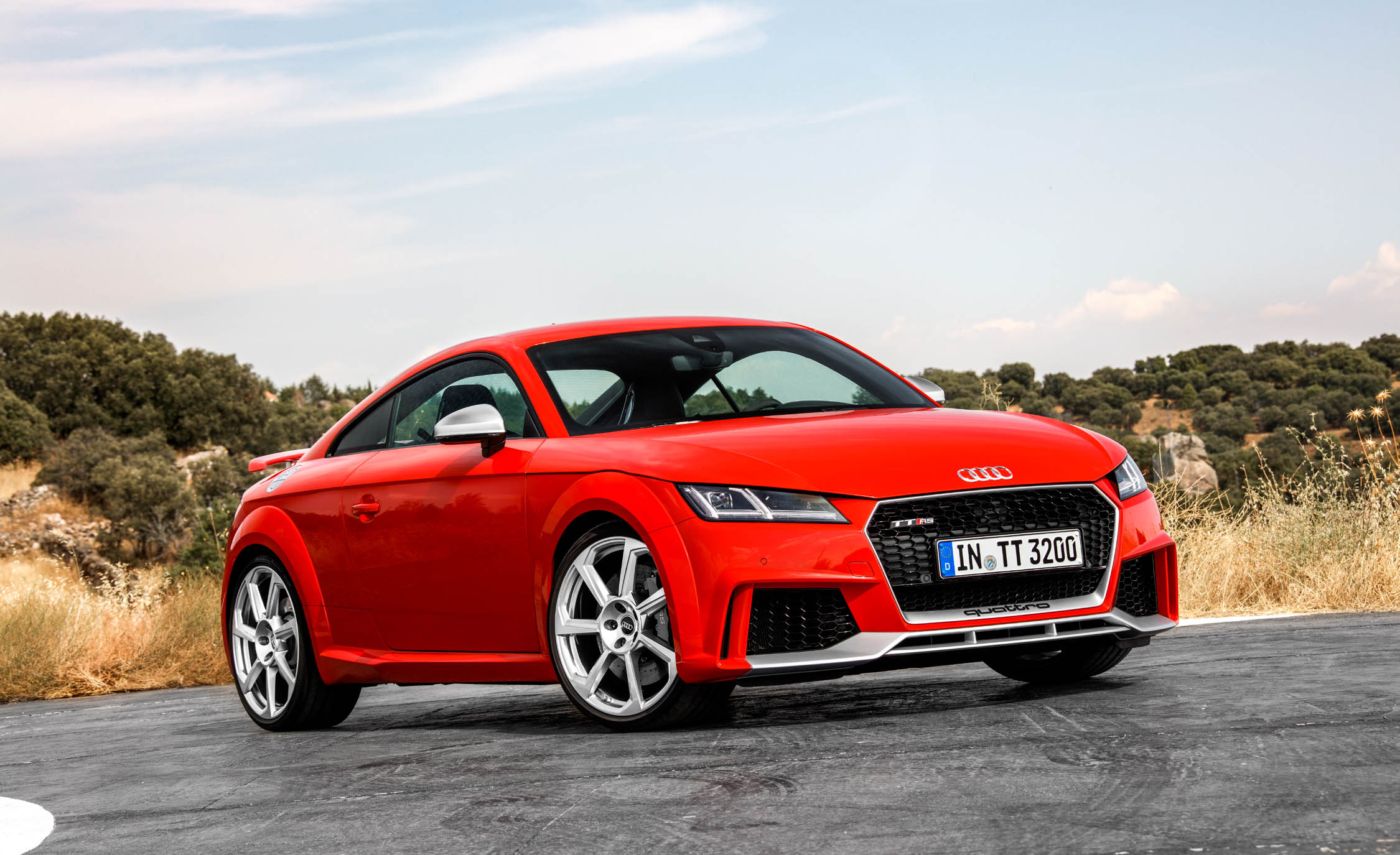 2018 audi tt rs coupe cars exclusive videos and photos. Black Bedroom Furniture Sets. Home Design Ideas