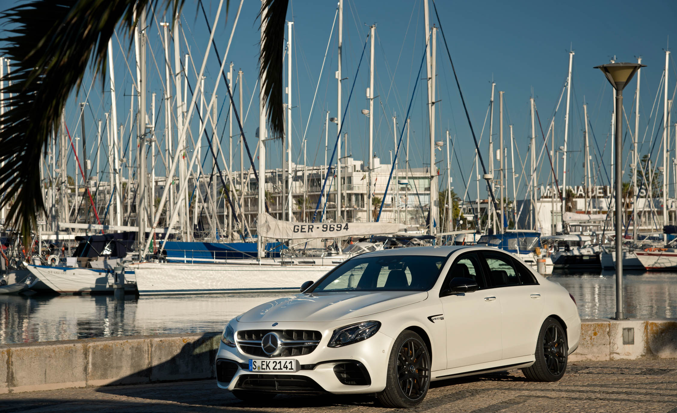 2018 Mercedes AMG E63 Exterior White (Photo 30 of 41)
