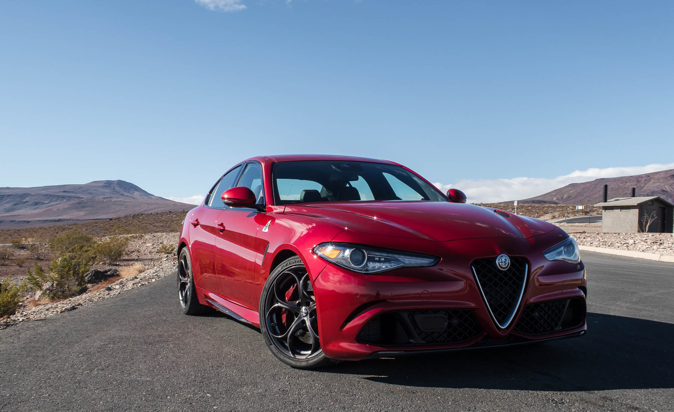 2017 Alfa Romeo Giulia Quadrifoglio (Photo 13 of 29)