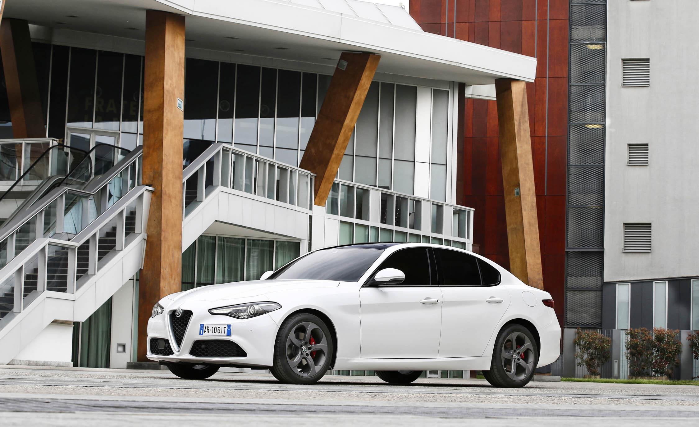 2017 Alfa Romeo Giulia (View 30 of 30)