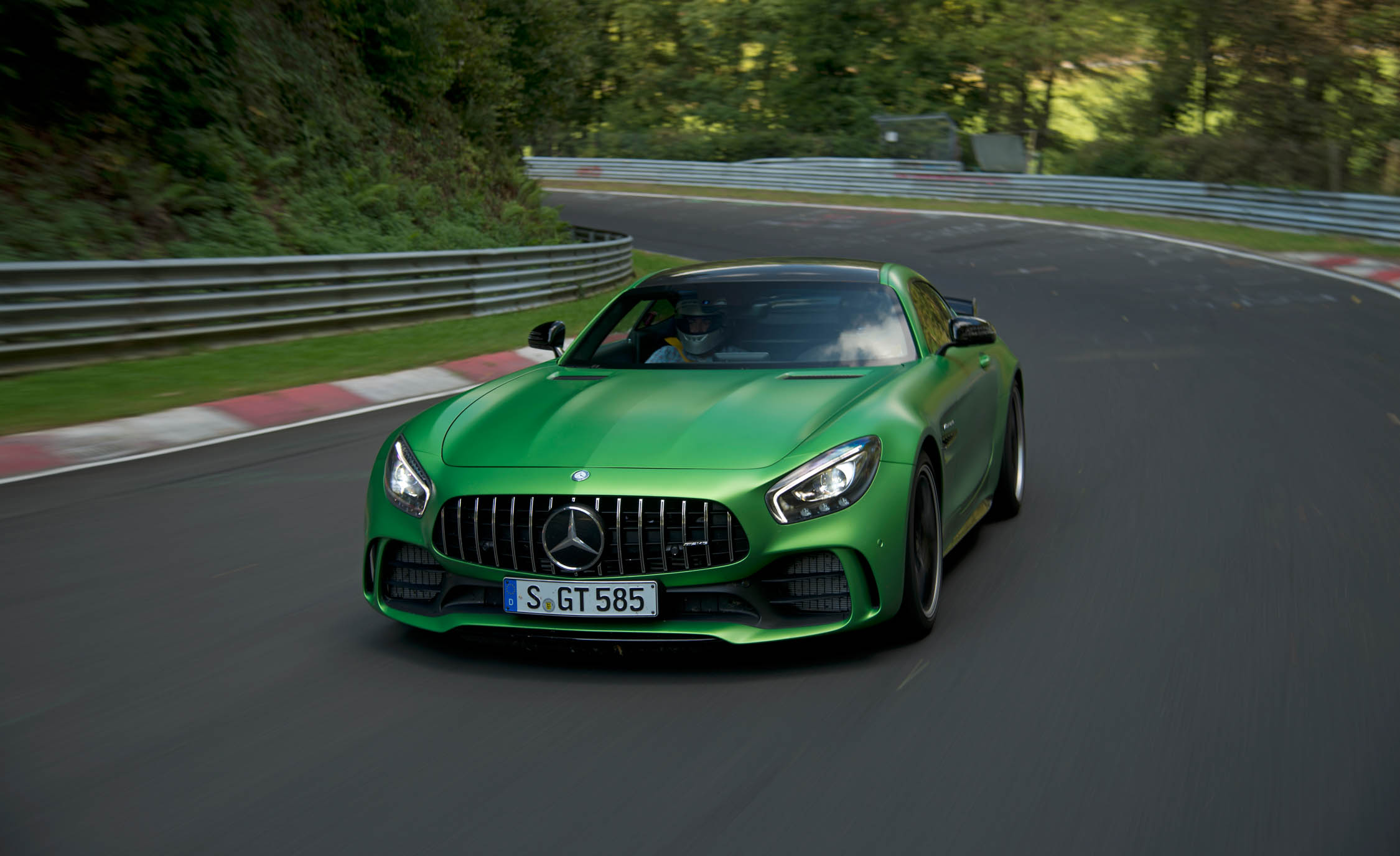 New 2017 Mercedes Amg Gt R (View 2 of 22)