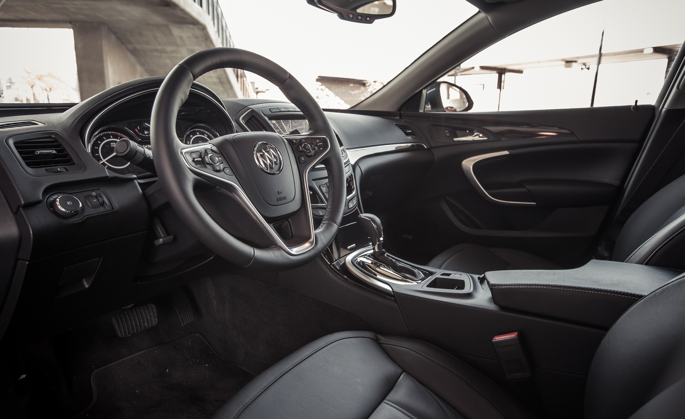 2014 Buick Regal Turbo Interior (Photo 26 of 30)