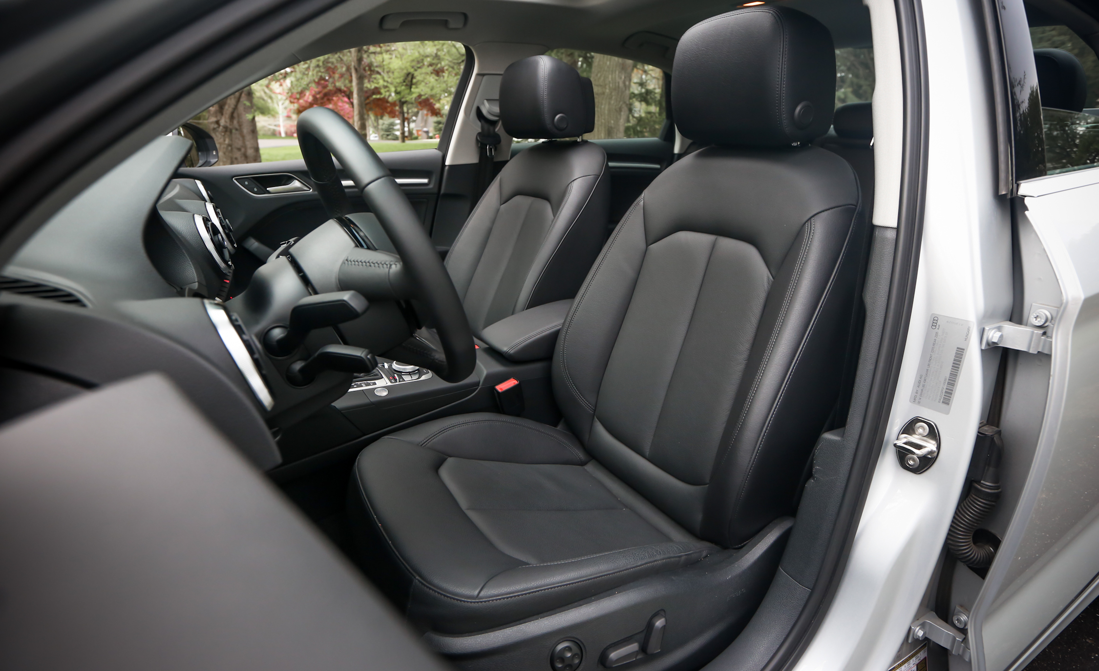 2015 Audi A3 1.8T Interior Seats Front (Photo 44 of 50)