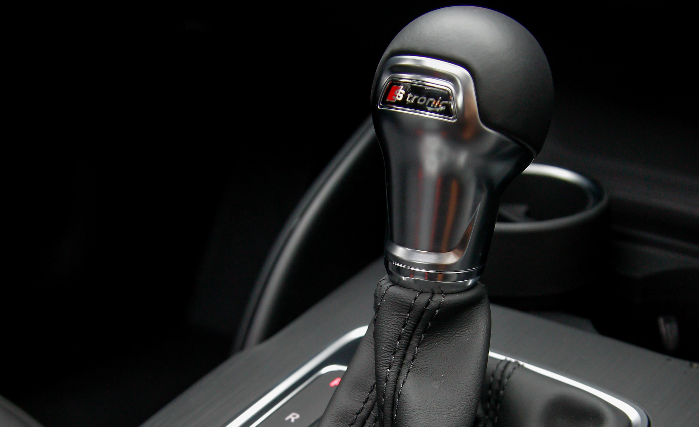 2015 Audi A3 1.8T Interior View Gear Shift Knob (Photo 42 of 50)