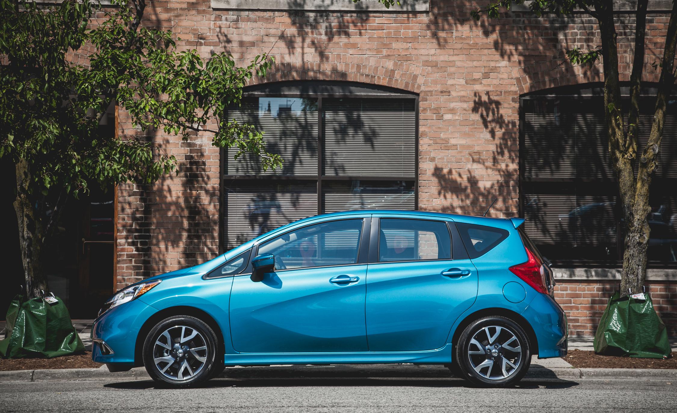 2015 Nissan Versa Note SR (Photo 7 of 19)