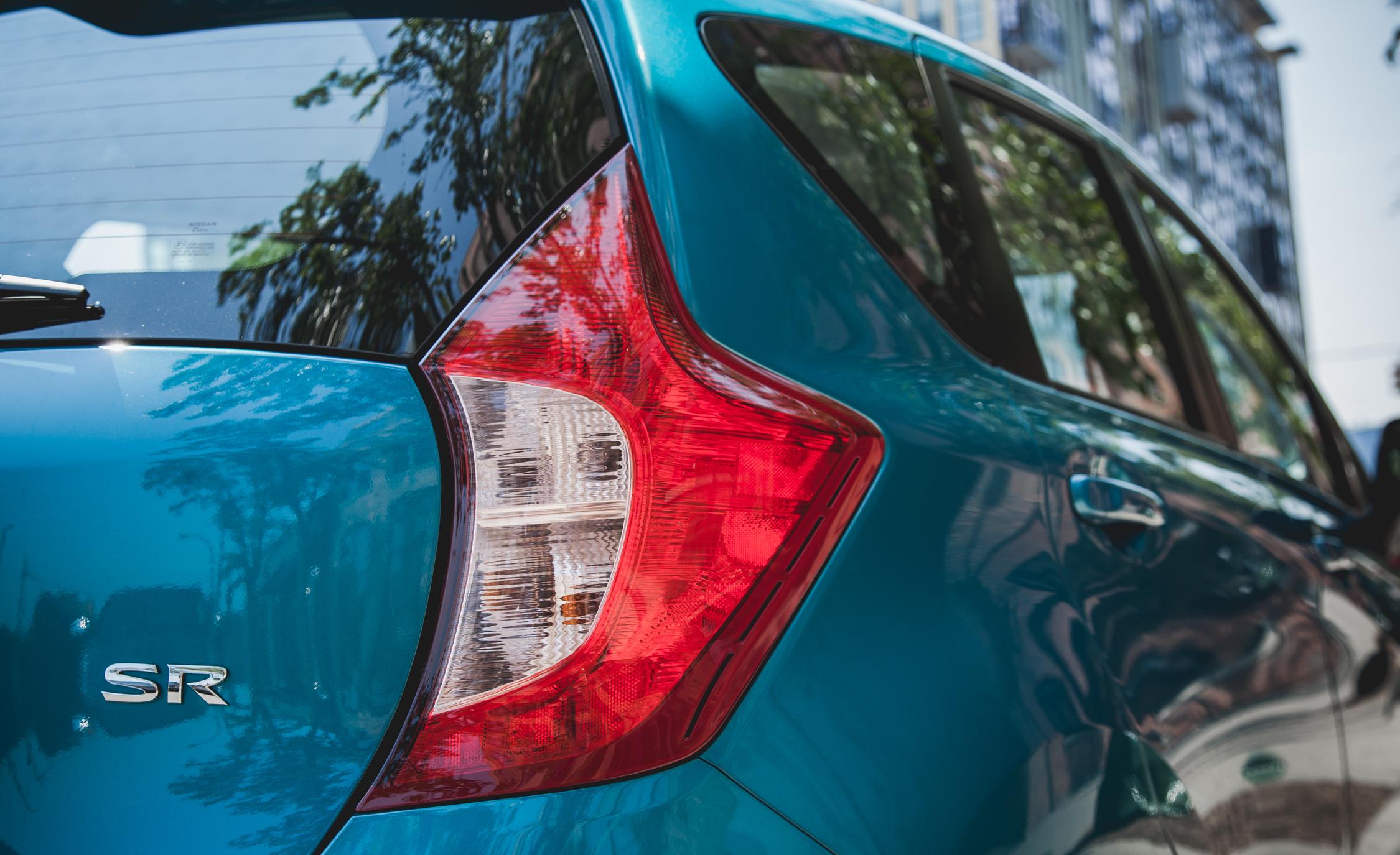 2015 Nissan Versa Note SR (Photo 12 of 19)