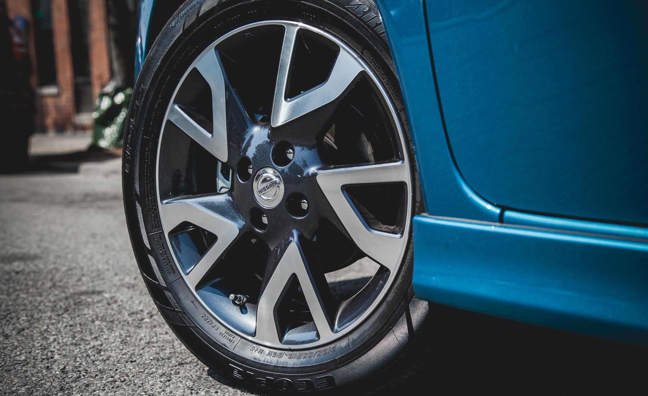 2015 Nissan Versa Note SR (Photo 11 of 19)