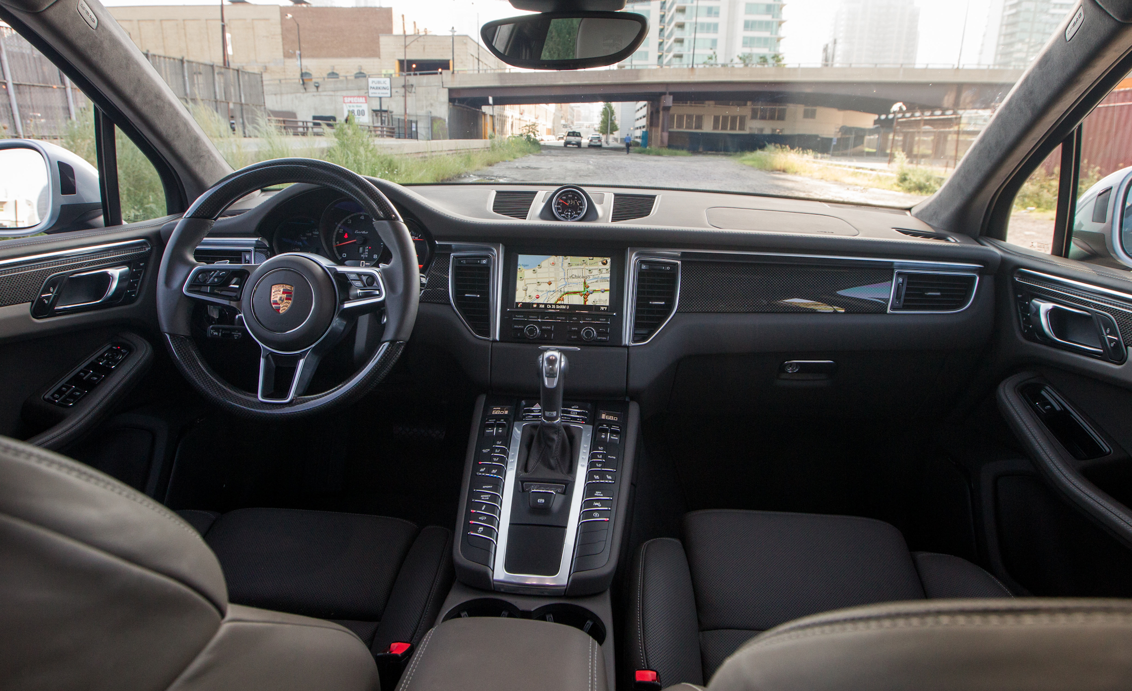 2015 Porsche Macan Turbo Interior (View 4 of 20)