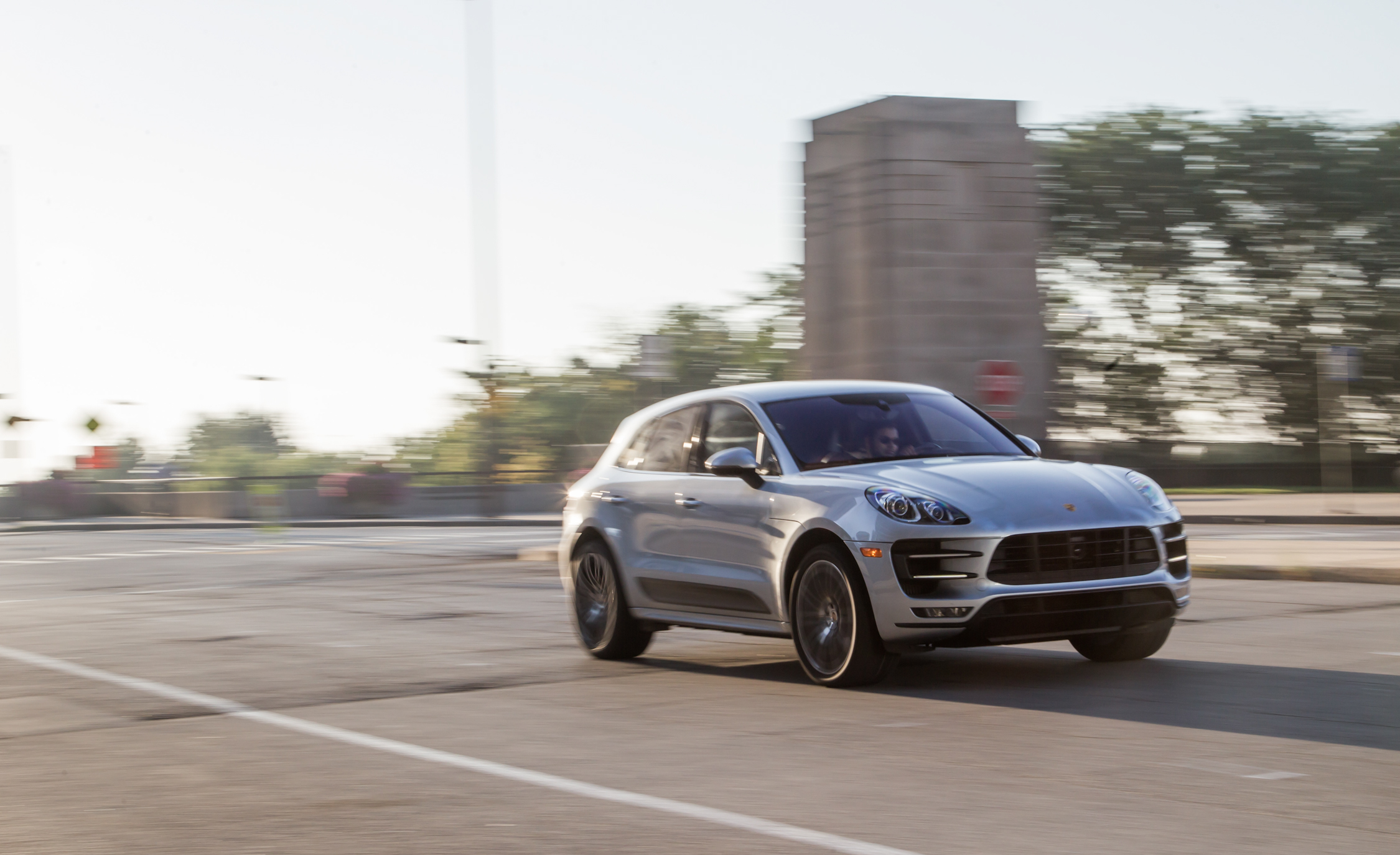 2015 Porsche Macan Turbo (View 16 of 20)