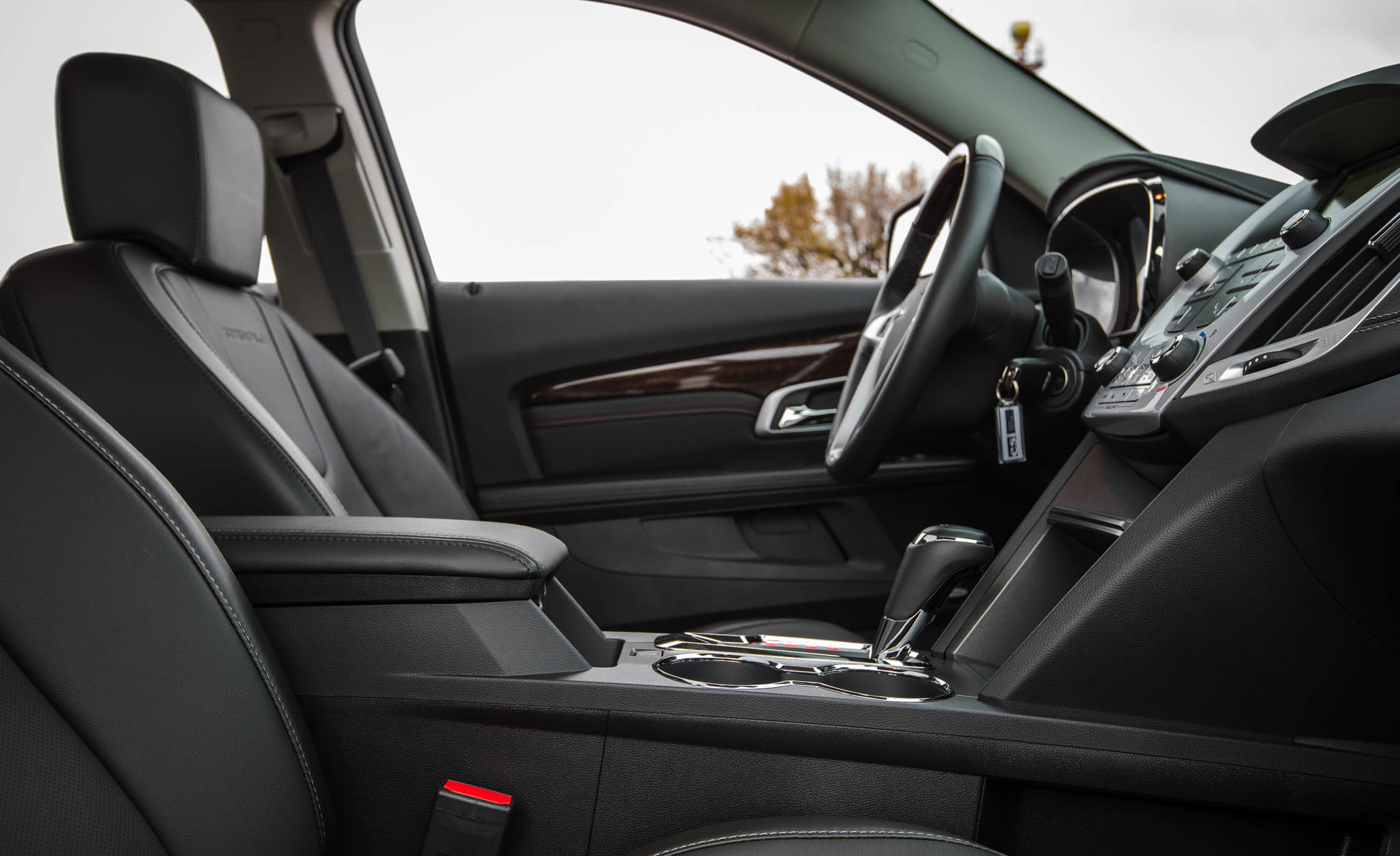 2016 GMC Terrain Denali Interior (Photo 21 of 24)